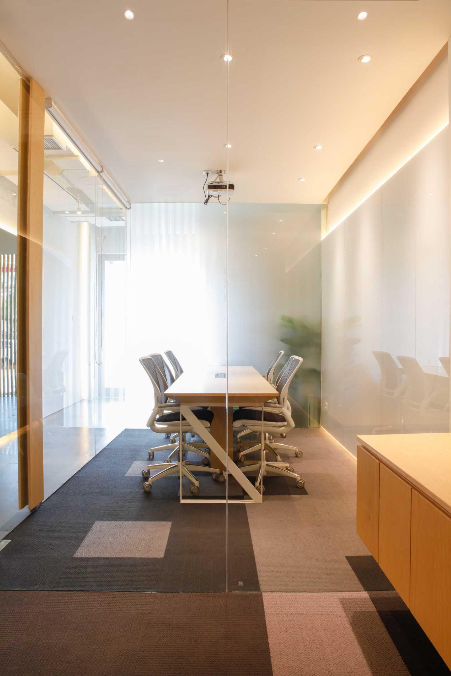 Design Intervention Simland Office Jakarta, Daerah Khusus Ibukota Jakarta, Indonesia Jakarta, Daerah Khusus Ibukota Jakarta, Indonesia Design-Intervention-Simland-Office  71052