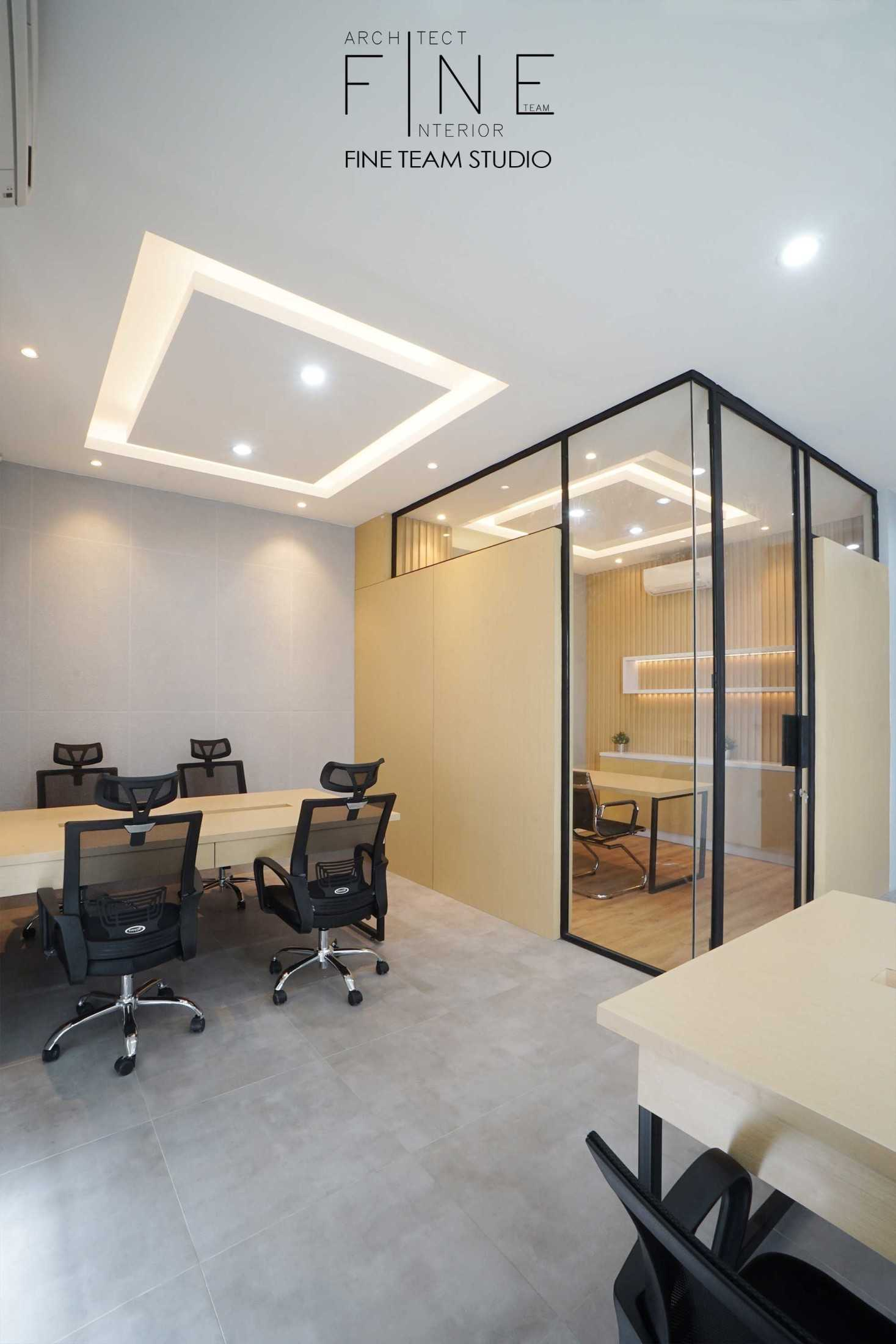 Fine Team Studio Mob Office Cikupa, Tangerang, Banten, Indonesia Cikupa, Tangerang, Banten, Indonesia Fine-Team-Studio-Mob-Office  71121