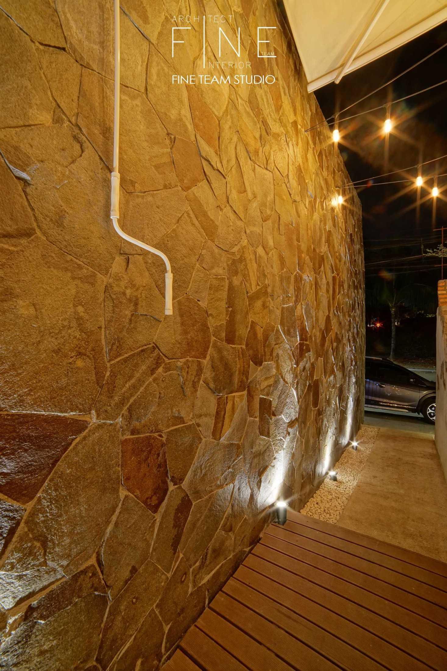 Fine Team Studio Delapan Gram Blok O, Jl. Pluit Karang Bar. No.6 No. 14, Rt.2/rw.8, Pluit, Penjaringan, Jakarta, Daerah Khusus Ibukota Jakarta 14450, Indonesia Blok O, Jl. Pluit Karang Bar. No.6 No. 14, Rt.2/rw.8, Pluit, Penjaringan, Jakarta, Daerah Khusus Ibukota Jakarta 14450, Indonesia Fine-Team-Studio-Delapan-Gram Industrial 56045