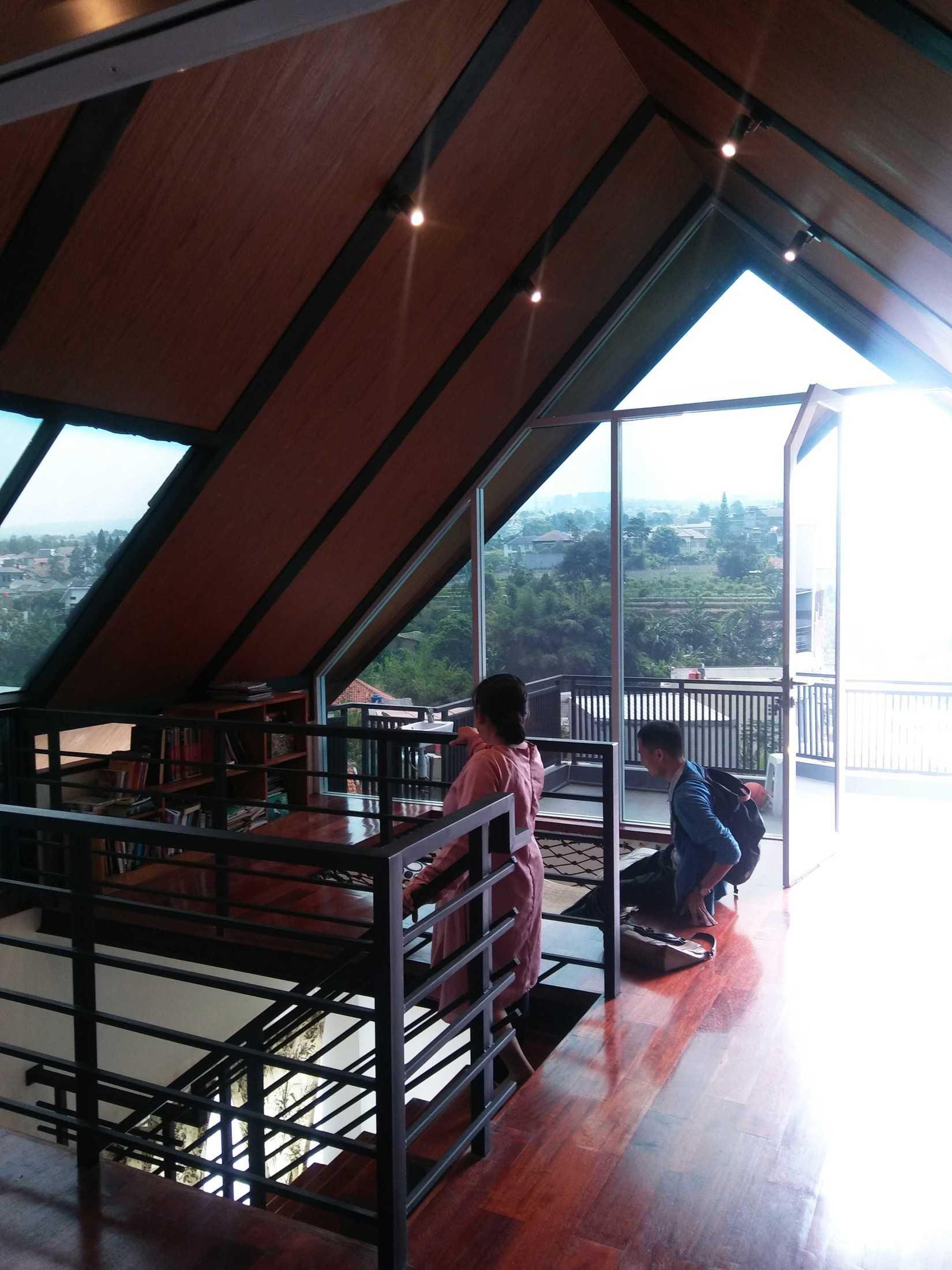 Atelier Ara Rumah Gerlong Bandung, Kota Bandung, Jawa Barat, Indonesia Bandung, Kota Bandung, Jawa Barat, Indonesia Atelier-Ara-Rumah-Gerlong  74326
