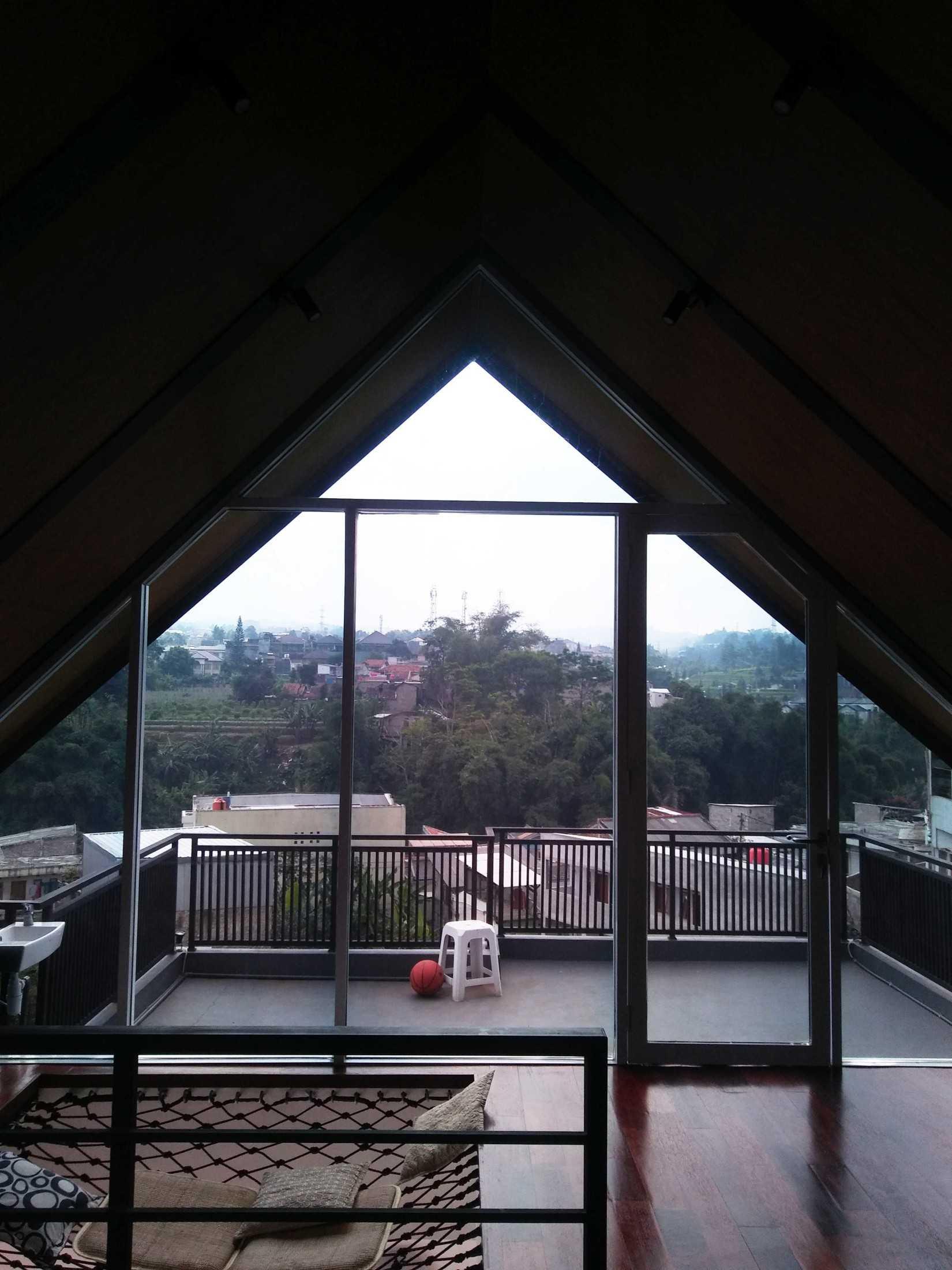 Atelier Ara Rumah Gerlong Bandung, Kota Bandung, Jawa Barat, Indonesia Bandung, Kota Bandung, Jawa Barat, Indonesia Atelier-Ara-Rumah-Gerlong  74328