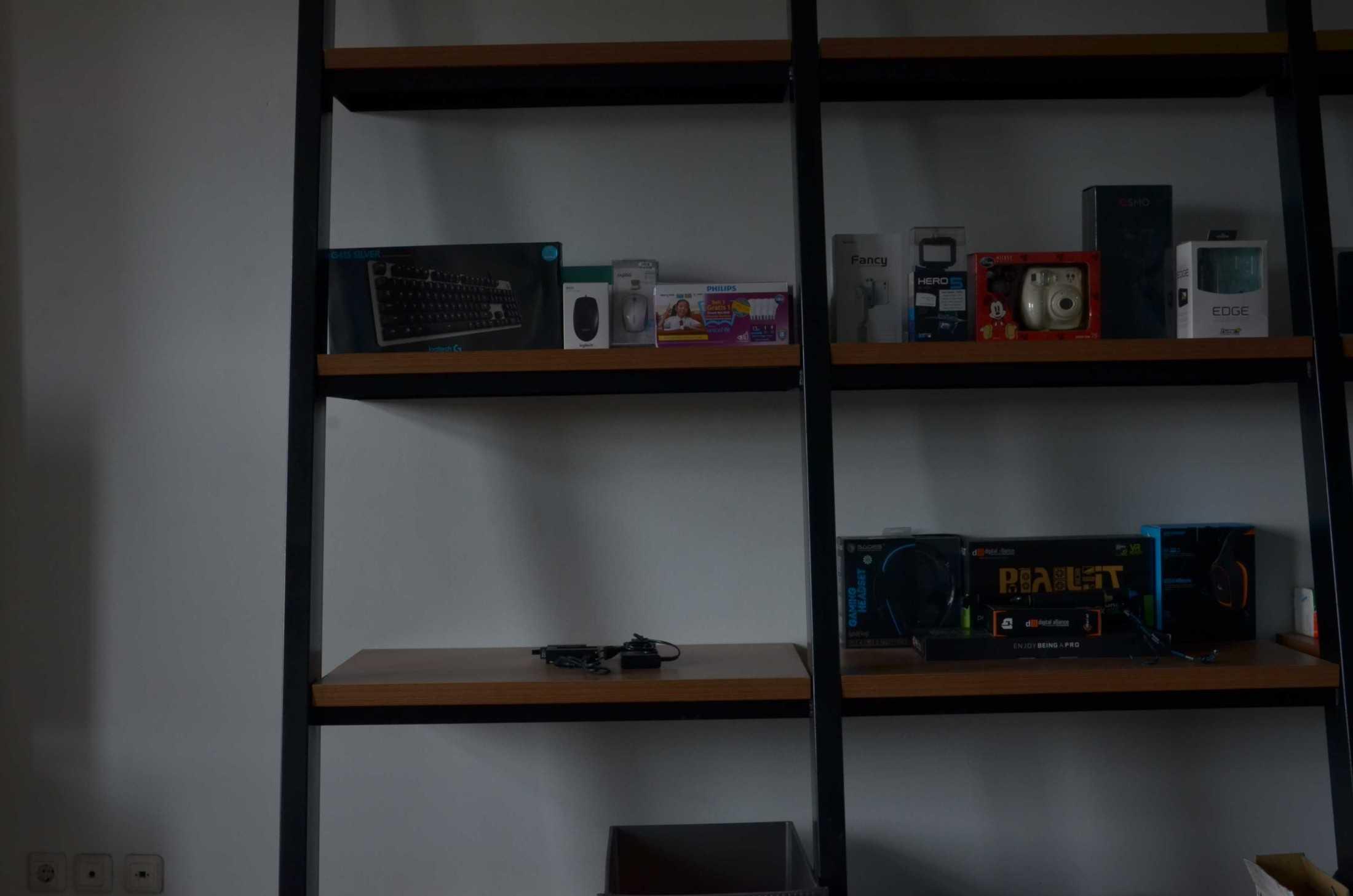 Atelier Ara Godric Store Tangerang, Banten, Indonesia Jl. Green Lake City Boulevard, Duri Kosambi, Cengkareng, Kota Jakarta Barat, Daerah Khusus Ibukota Jakarta 11750, Indonesia Atelier-Ara-Godric-Store  68250