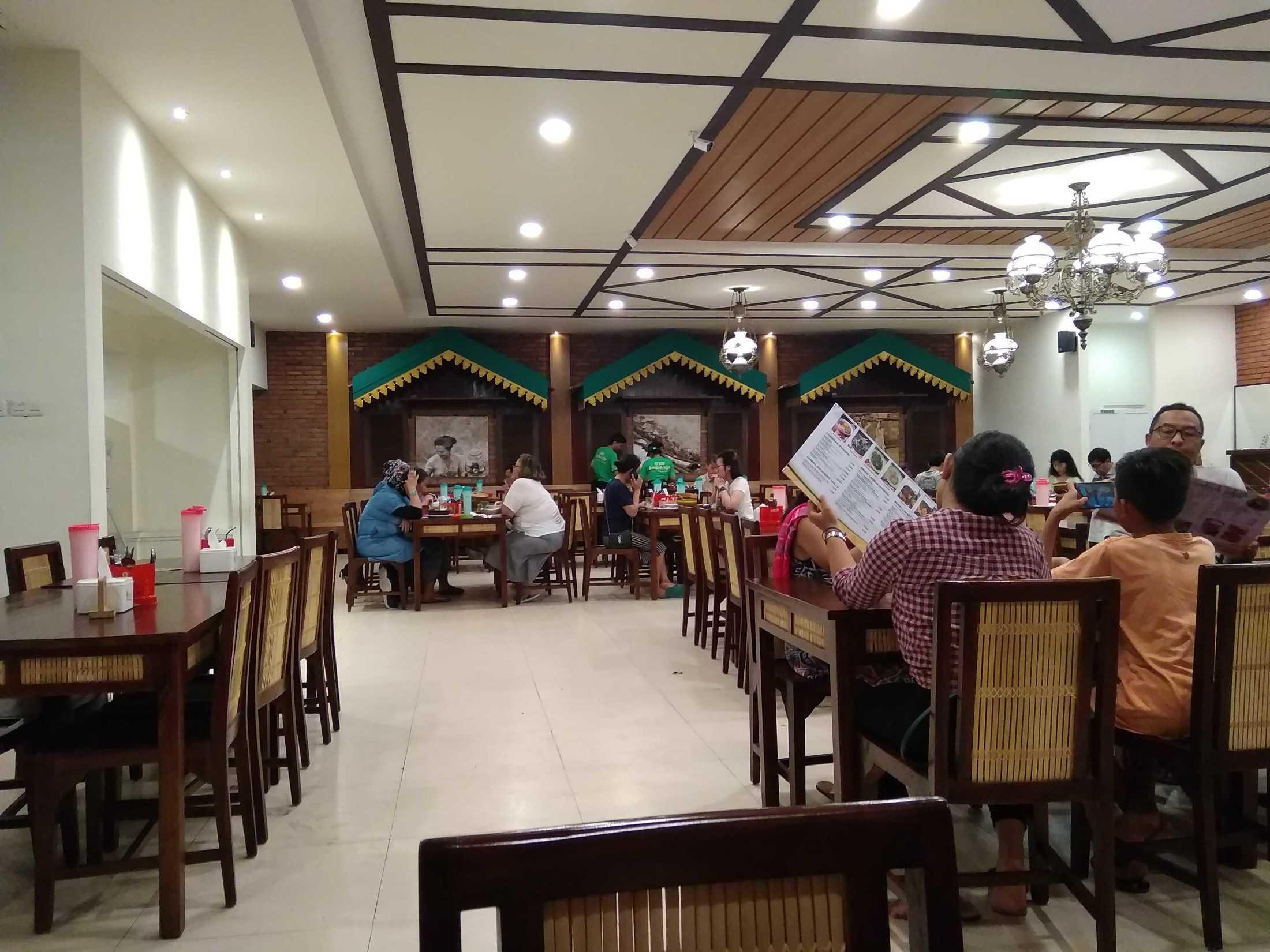 Roku+Architects Restaurant Lombok Idjo Renon Renon, Kec. Denpasar Sel., Kota Denpasar, Bali, Indonesia Renon, Kec. Denpasar Sel., Kota Denpasar, Bali, Indonesia Rokuarchitects-Restaurant-Lombok-Idjo-Renon  115894