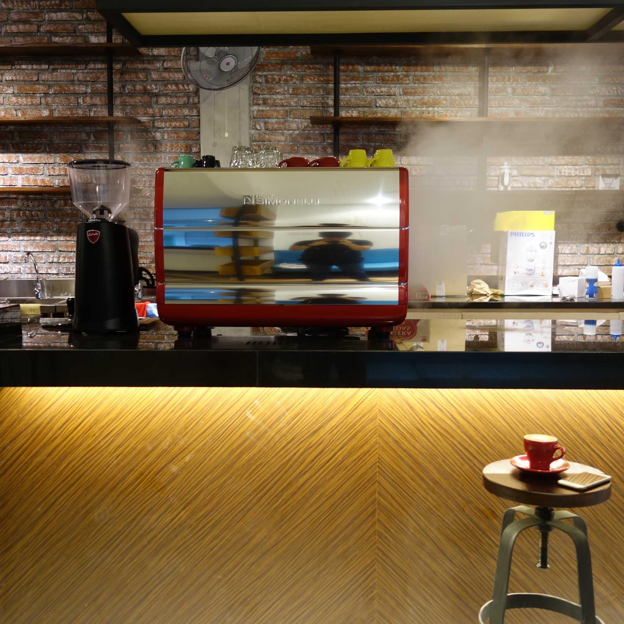 Aditya Wira Hardi Prague Coffee And Eatery Madiun, Kota Madiun, Jawa Timur, Indonesia Madiun, Kota Madiun, Jawa Timur, Indonesia Aditya-Wira-Hardi-Prague-Coffee-And-Eatery  65906