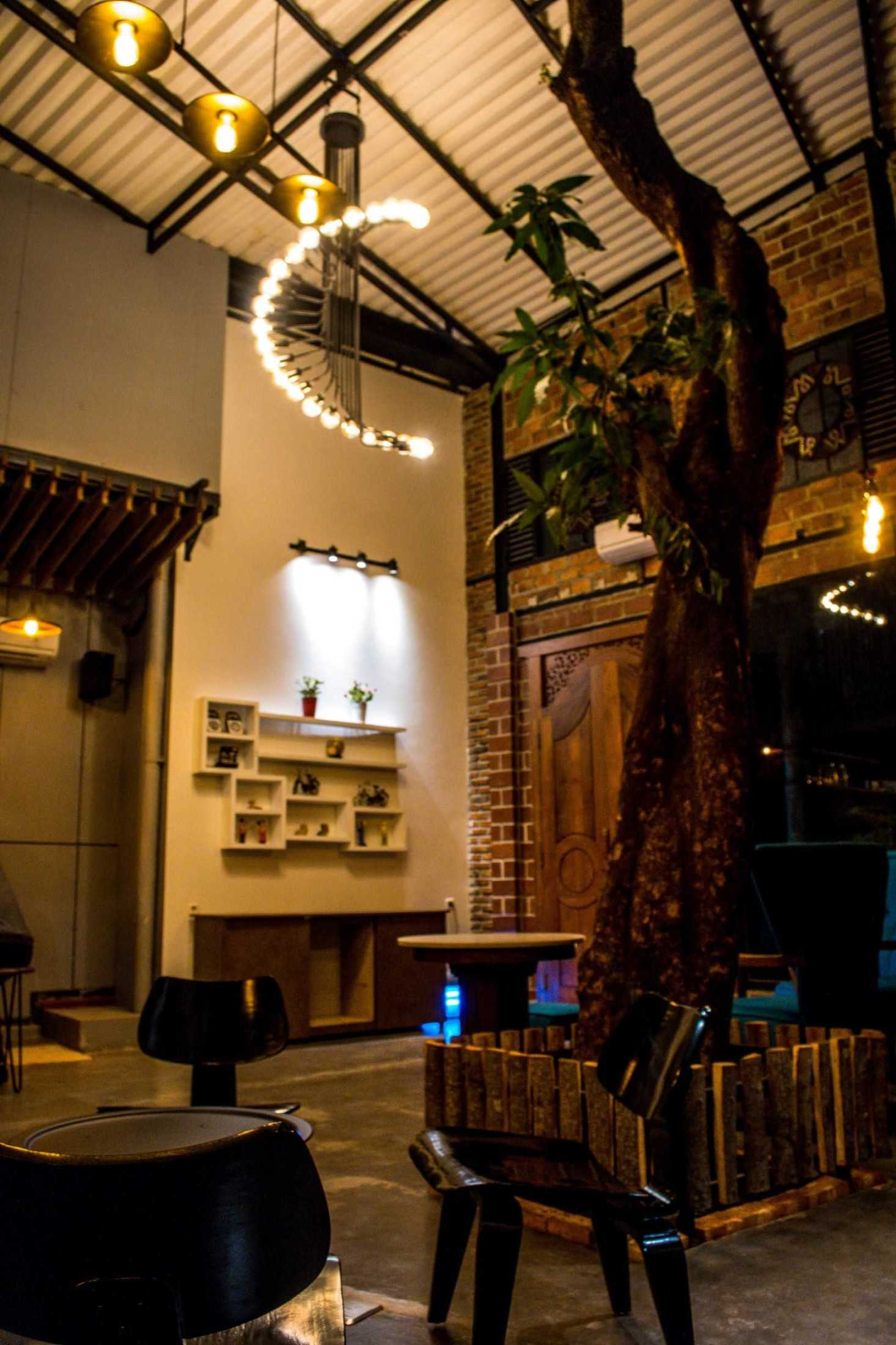 Gohte Architects Terroir Coffee & Eat Jl. Wijaya Timur I No.6, Rt.15/rw.2, Petogogan, Kec. Kby. Baru, Jakarta, Daerah Khusus Ibukota Jakarta 12170, Indonesia Jl. Wijaya Timur I No.6, Rt.15/rw.2, Petogogan, Kec. Kby. Baru, Jakarta, Daerah Khusus Ibukota Jakarta 12170, Indonesia Gohte-Architects-Terroir-Coffee-Eat  96663