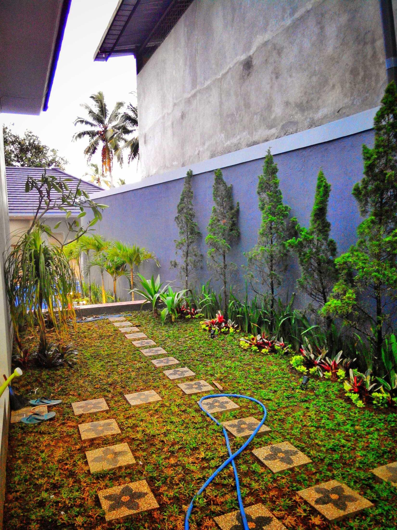 Larch Architecture Team Rumah Tinggal Bpk. Ralis Karangnunggal, Tasikmalaya, Jawa Barat, Indonesia Karangnunggal, Tasikmalaya, Jawa Barat, Indonesia Larch-Architecture-Team-Rumah-Tinggal-Bpk-Ralis  67042