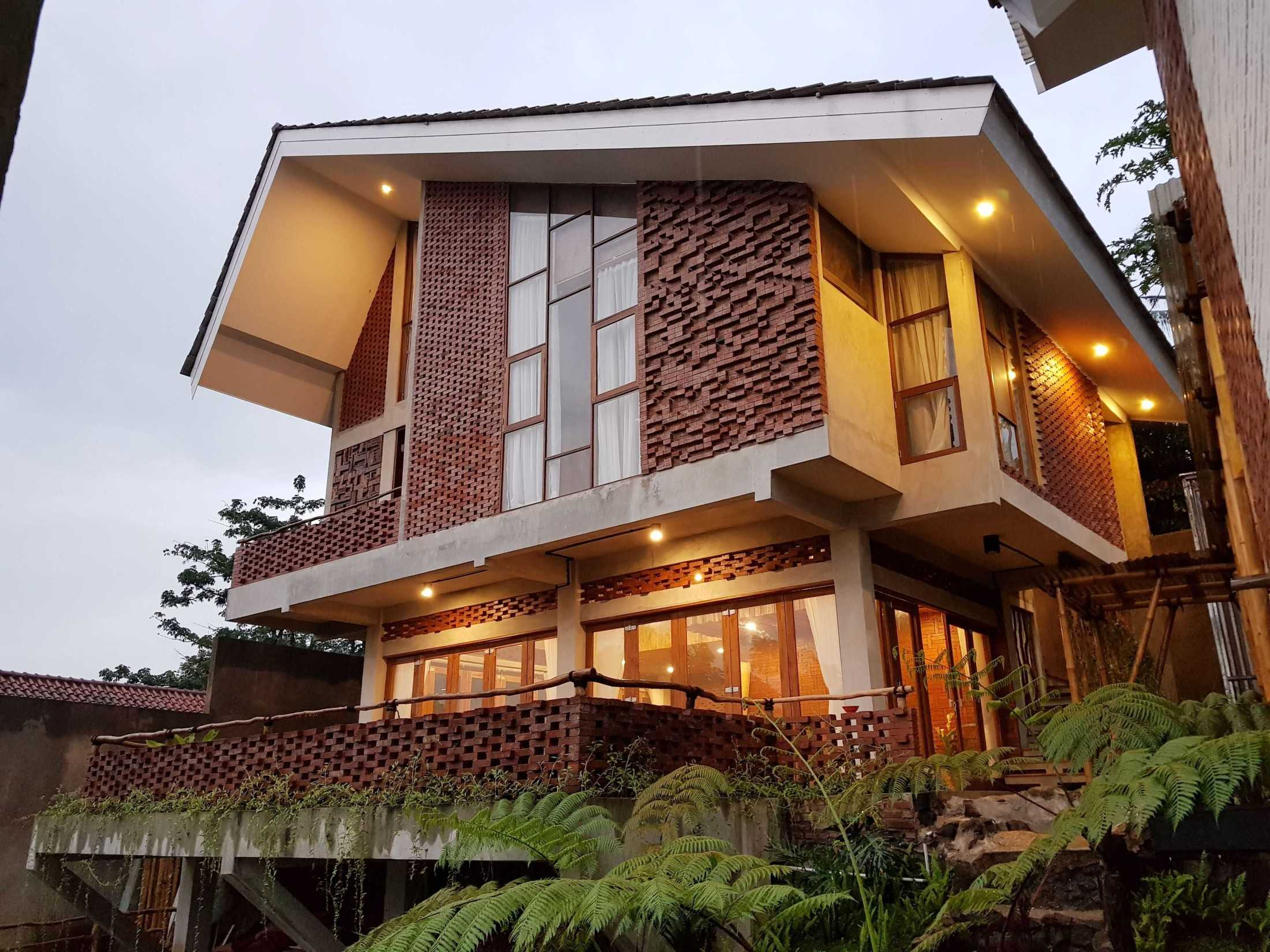 Junge Architekt Studio Imah Bata Villa, Bandung Indonesia Sindanglaya, Cimenyan, Bandung, Jawa Barat, Indonesia Sindanglaya, Cimenyan, Bandung, Jawa Barat, Indonesia Junge-Architekt-Studio-Imah-Bata-Villa-Bandung-Indonesia  67744