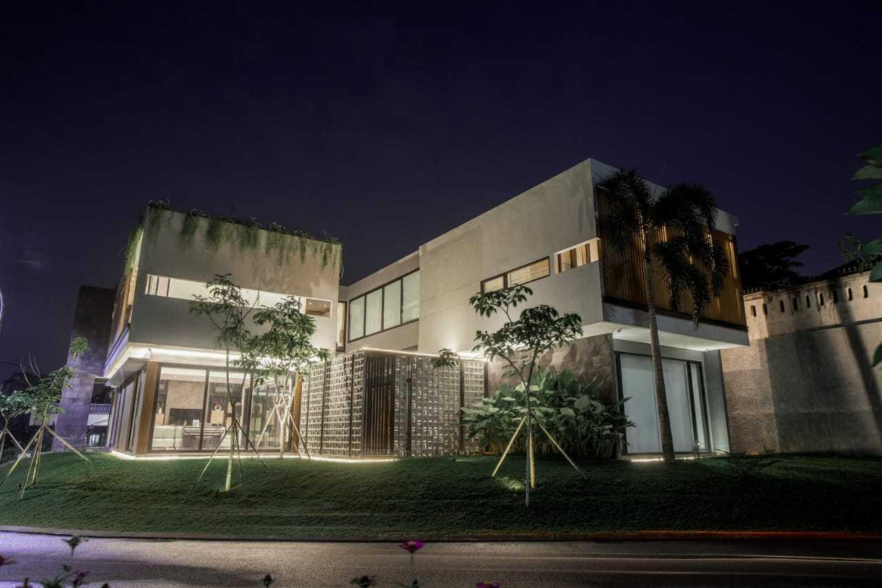 Q Studio Cn House Jl. Narogong Raya No.km.18, Limus Nunggal, Cileungsi, Bogor, Jawa Barat 16820, Indonesia Jl. Narogong Raya No.km.18, Limus Nunggal, Cileungsi, Bogor, Jawa Barat 16820, Indonesia Q-Studio-Cn-House  111349