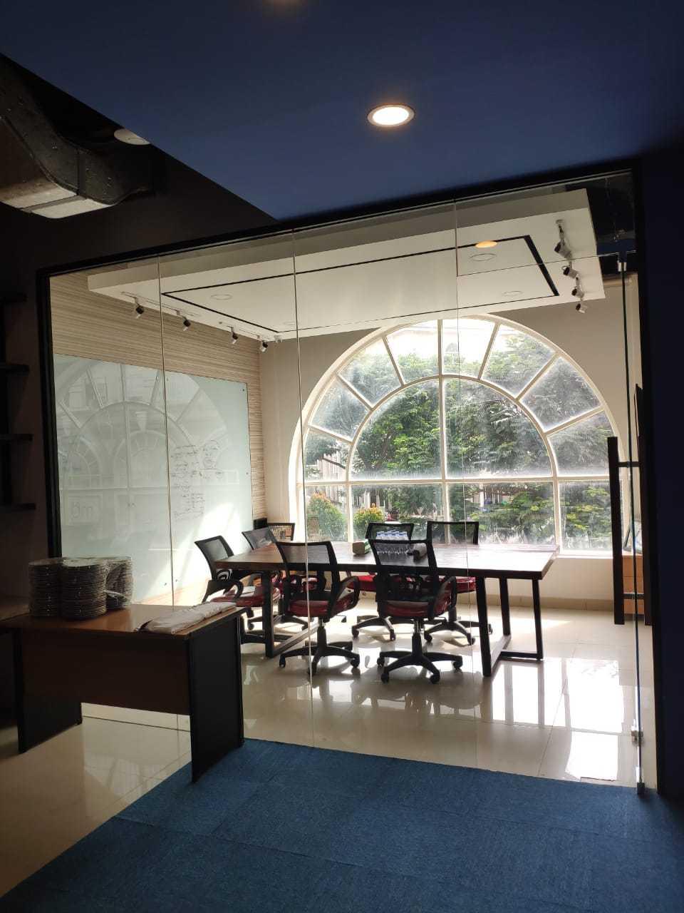 Desco Architect Daikin Proshop Showroom Kenzo Jakarta, Daerah Khusus Ibukota Jakarta, Indonesia Jakarta, Daerah Khusus Ibukota Jakarta, Indonesia Desco-Architect-Daikin-Proshop-Showroom-Kenzo  69643