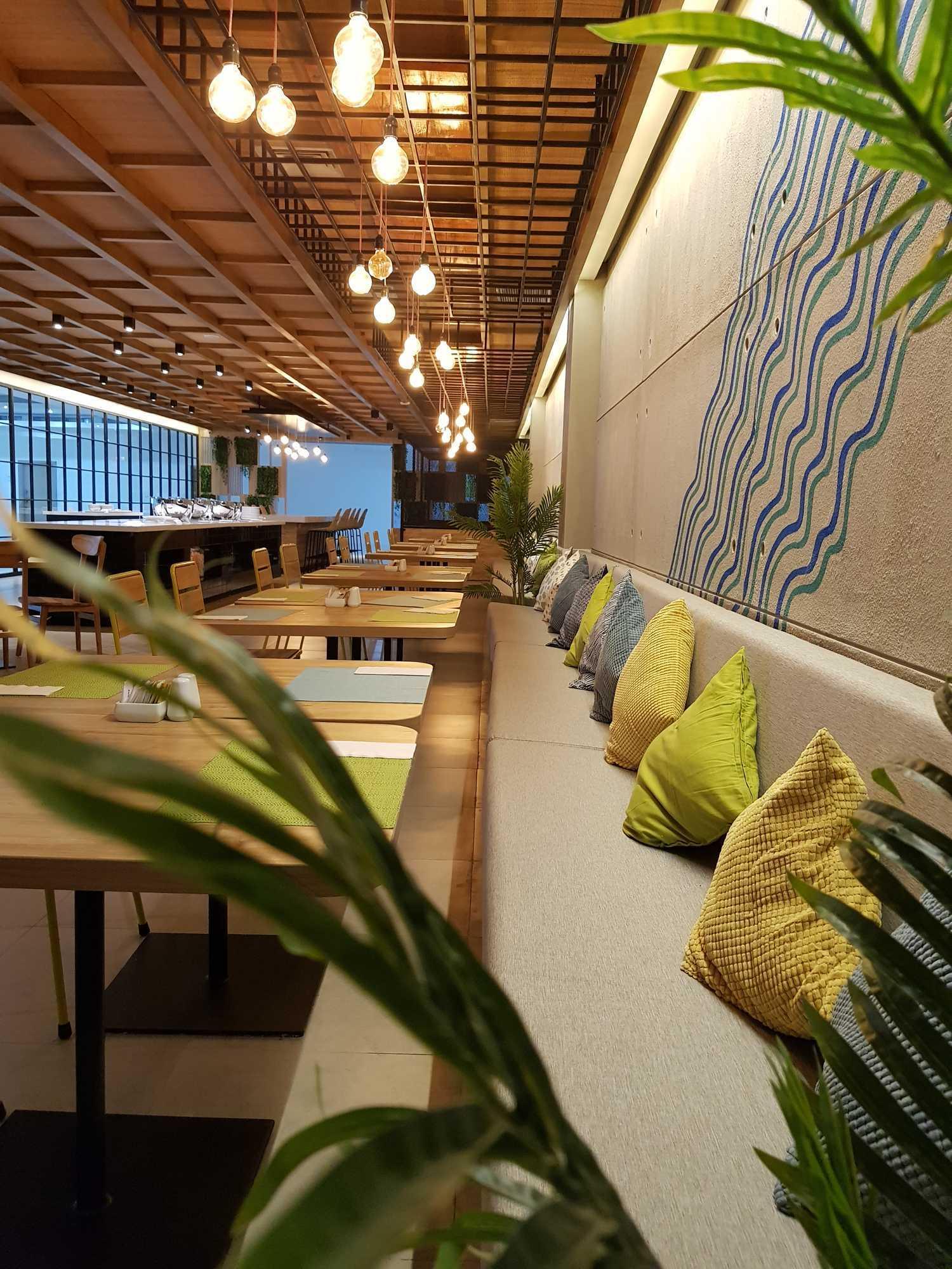 Ruang Komunal Kemiri Restaurant Surabaya, Kota Sby, Jawa Timur, Indonesia Surabaya, Kota Sby, Jawa Timur, Indonesia Ruang-Komunal-Kemiri-House  61179