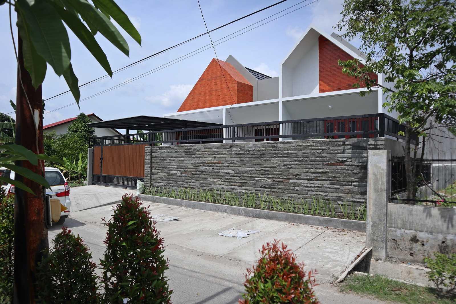 Bd Studio Ss Villa House Medan, Kota Medan, Sumatera Utara, Indonesia Medan, Kota Medan, Sumatera Utara, Indonesia Bd-Studio-Ss-Villa-House  74085