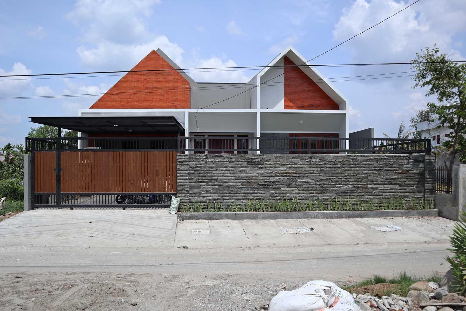 Bd Studio Ss Villa House Medan, Kota Medan, Sumatera Utara, Indonesia Medan, Kota Medan, Sumatera Utara, Indonesia Bd-Studio-Ss-Villa-House  74087