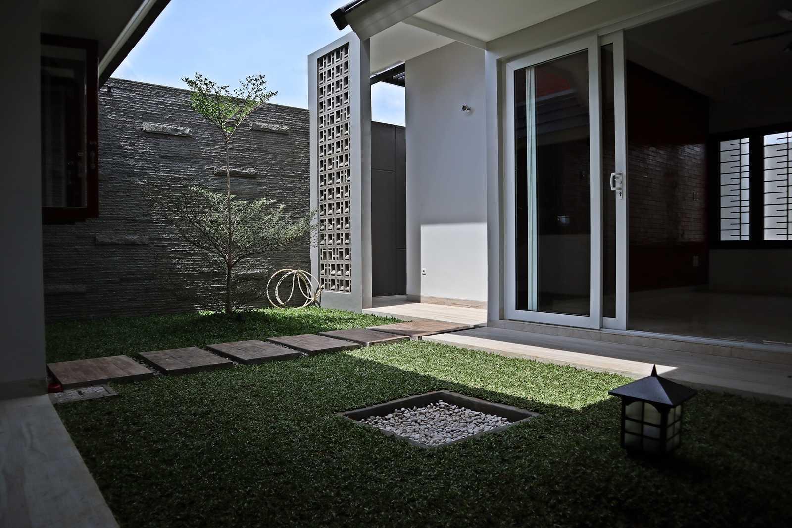 Bd Studio Ss Villa House Medan, Kota Medan, Sumatera Utara, Indonesia Medan, Kota Medan, Sumatera Utara, Indonesia Bd-Studio-Ss-Villa-House  74088