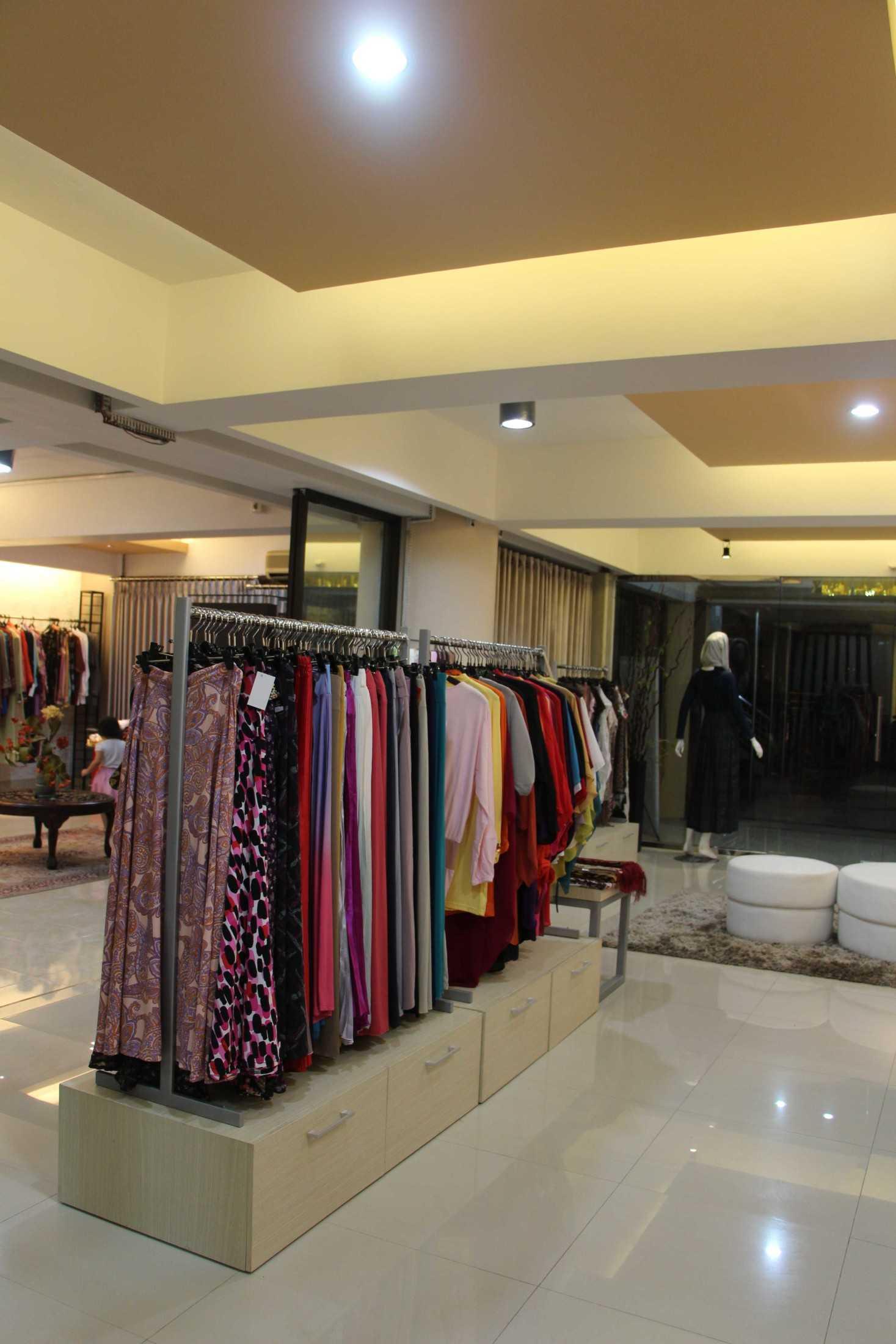 4Linked Architect Butik Zaza Surabaya, Kota Sby, Jawa Timur, Indonesia Surabaya, Kota Sby, Jawa Timur, Indonesia 4Linked-Architect-Butik-Zaza  75197