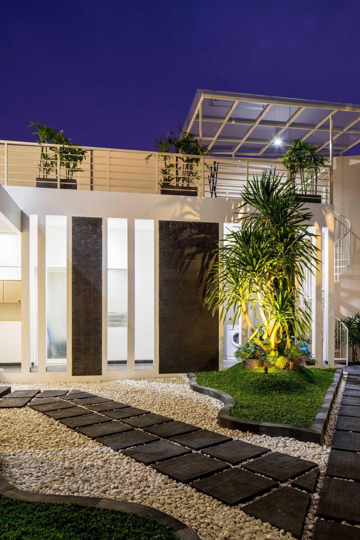Hausse Interior Modern House Surabaya, Kota Sby, Jawa Timur, Indonesia Surabaya, Kota Sby, Jawa Timur, Indonesia Modern House  75629