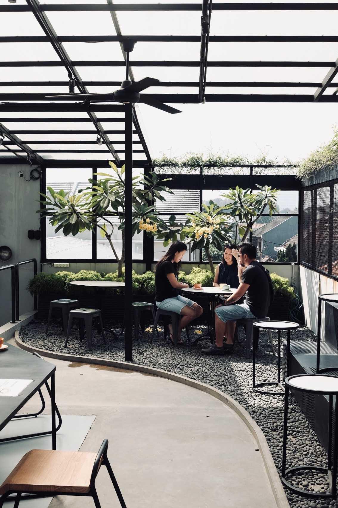 Dinardithen Studio Industrial Bakery House And Coffe At Paskal Bandung, Kota Bandung, Jawa Barat, Indonesia Bandung, Kota Bandung, Jawa Barat, Indonesia Dinardithen-Studio-Industrial-Bakery-House-And-Coffe-At-Paskal  127172