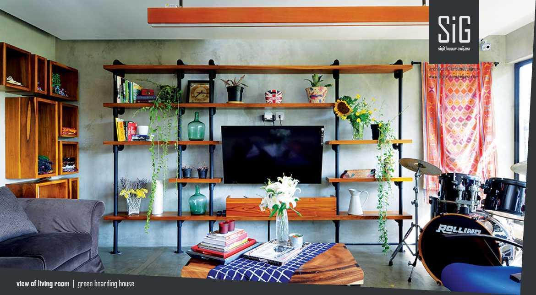 Sigit.kusumawijaya | Architect & Urbandesigner Rumah Beranda - Green Boarding House Cipete, South Jakarta, Indonesia Cipete, South Jakarta, Indonesia Sigitkusumawijaya-Architect-Urbandesigner-Rumah-Beranda-Green-Boarding-House Industrial 55001