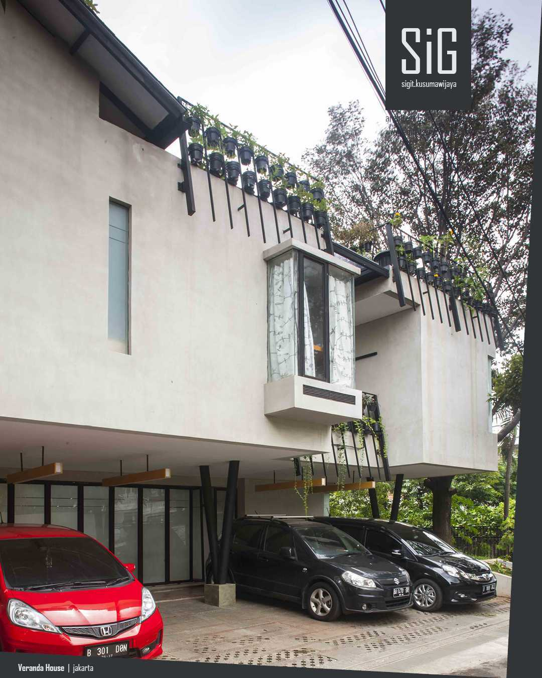 Sigit.kusumawijaya | Architect & Urbandesigner Rumah Beranda - Green Boarding House Cipete, South Jakarta, Indonesia Cipete, South Jakarta, Indonesia Sigitkusumawijaya-Architect-Urbandesigner-Rumah-Beranda-Green-Boarding-House Industrial 55007