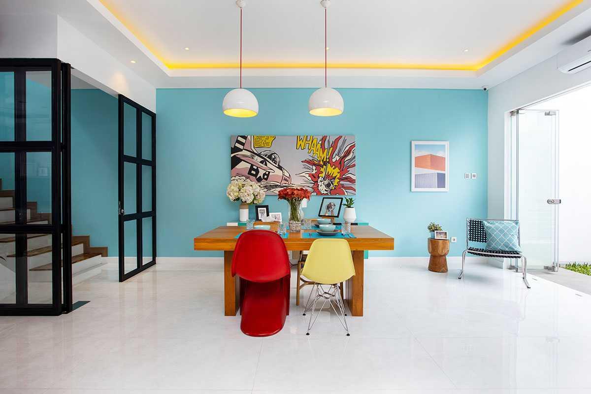 Vindo Design Urban House 2.0 Jakarta Selatan, Kota Jakarta Selatan, Daerah Khusus Ibukota Jakarta, Indonesia Jakarta Selatan, Kota Jakarta Selatan, Daerah Khusus Ibukota Jakarta, Indonesia Dining Room Urban House 2.0  90368