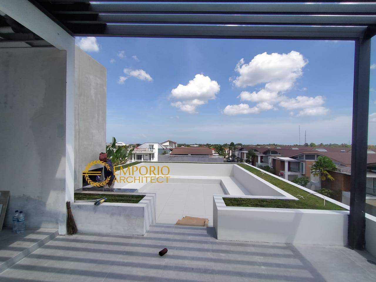 Emporio Architect Jasa Arsitek Bali Progress Pembangunan Rumah Modern Tropis 559 @ Munggu, Badung, Bali Munggu, Kec. Mengwi, Kabupaten Badung, Bali, Indonesia Munggu, Kec. Mengwi, Kabupaten Badung, Bali, Indonesia Emporio-Architect-Jasa-Arsitek-Bali-Progress-Pembangunan-Rumah-Modern-Tropis-559-Munggu-Badung-Bali  91465