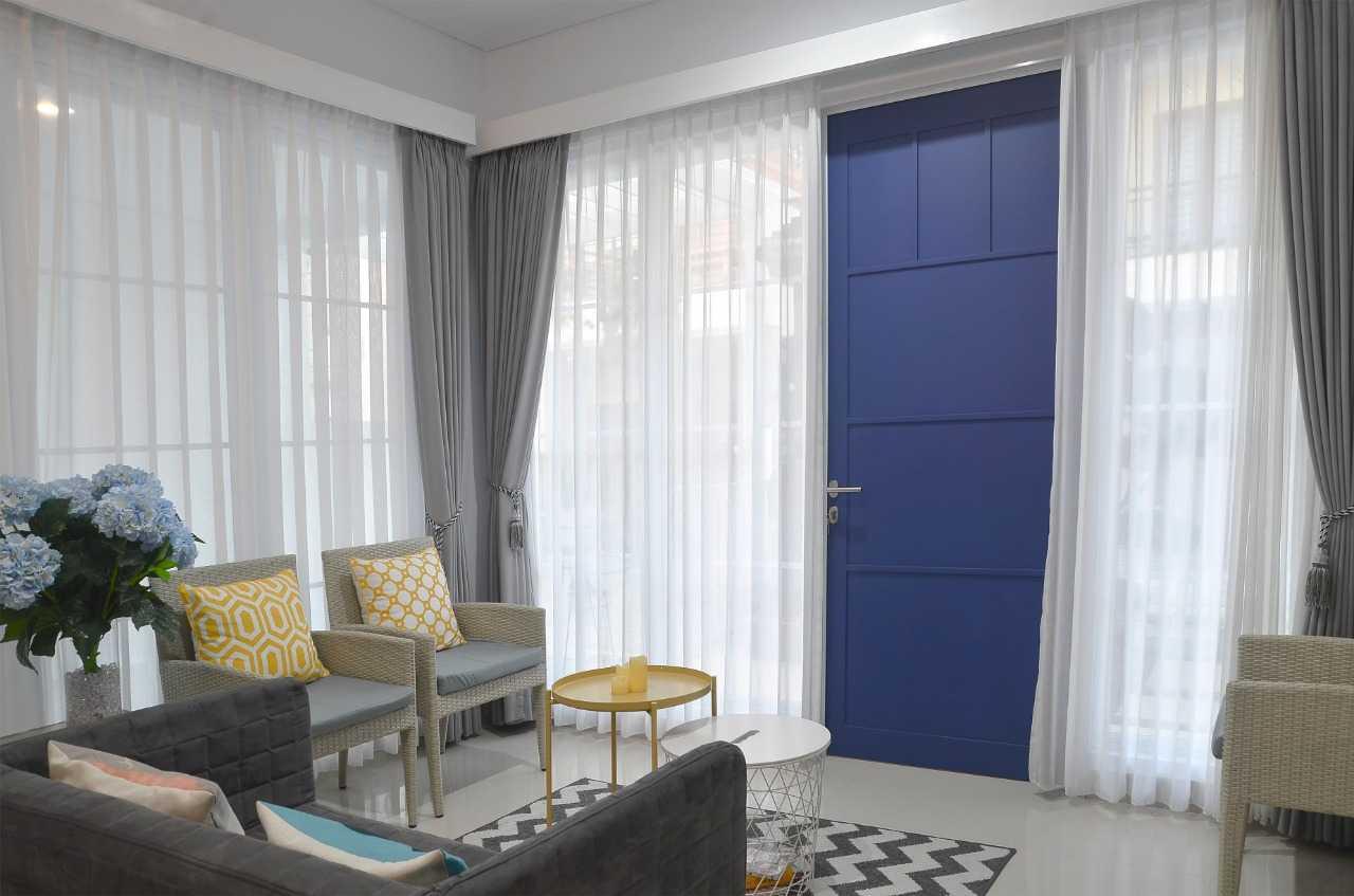 Putri Bali Design White House With The Blue Door Bali, Indonesia Bali, Indonesia Putri-Bali-Design-White-House-With-The-Blue-Door  79714