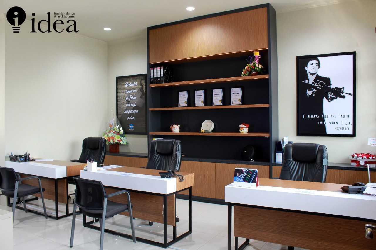 Idea Studio Real Estate Marketing Office - Propnex Satelit Sonokwijenan, Kec. Sukomanunggal, Kota Sby, Jawa Timur 60225, Indonesia Sonokwijenan, Kec. Sukomanunggal, Kota Sby, Jawa Timur 60225, Indonesia Idea-Studio-Real-Estate-Marketing-Office-Propnex-Satelit  79960