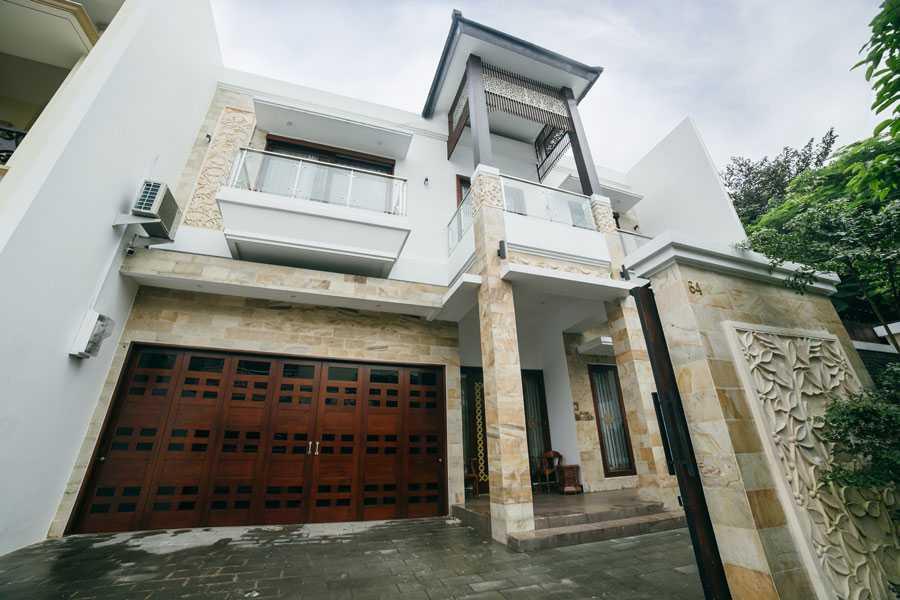 Studio Jaj Jasa Arsitek Jakarta Rumah 2 Lantai Style Bali Modern Jakarta, Daerah Khusus Ibukota Jakarta, Indonesia Jakarta, Daerah Khusus Ibukota Jakarta, Indonesia Studio-Jaj-Rumah-2-Lantai-Style-Bali-Modern Modern 88089