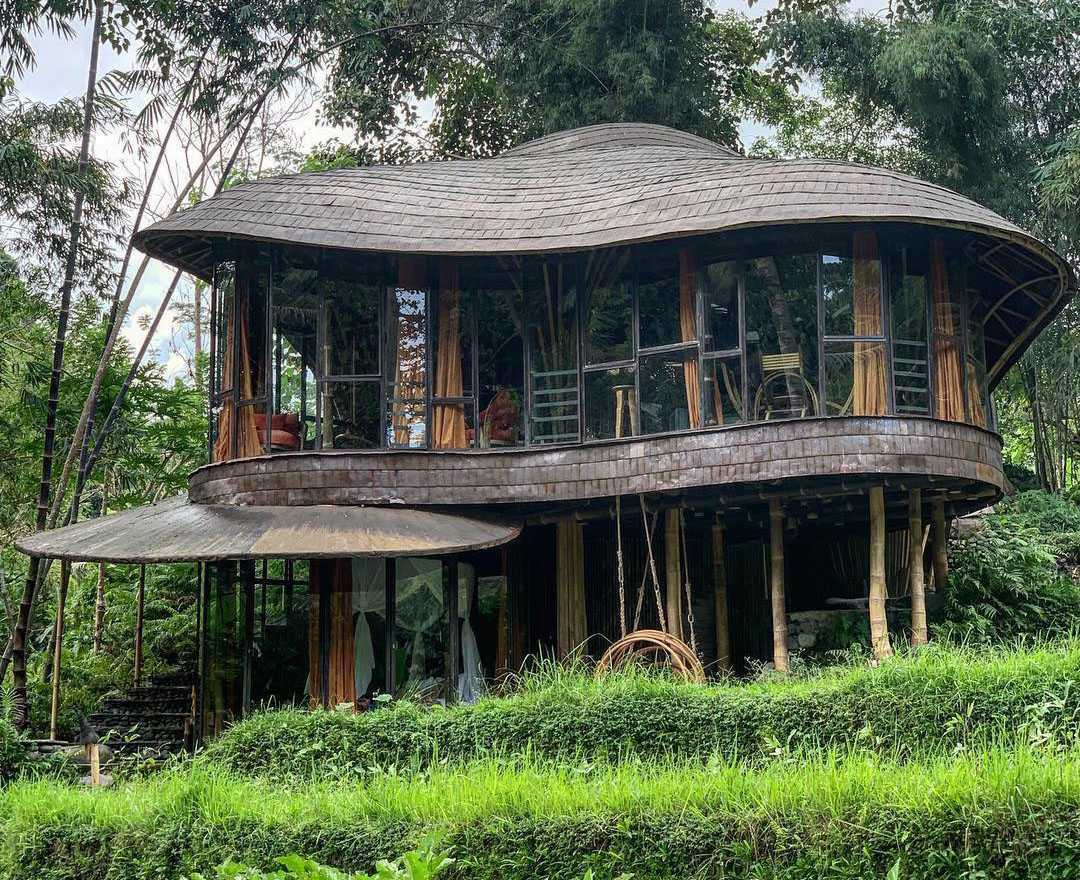 Agung Budi Raharsa | Architecture & Engineering Riverbend Bamboo House - Bali Bali, Indonesia Bali, Indonesia Front View Tropical 88702