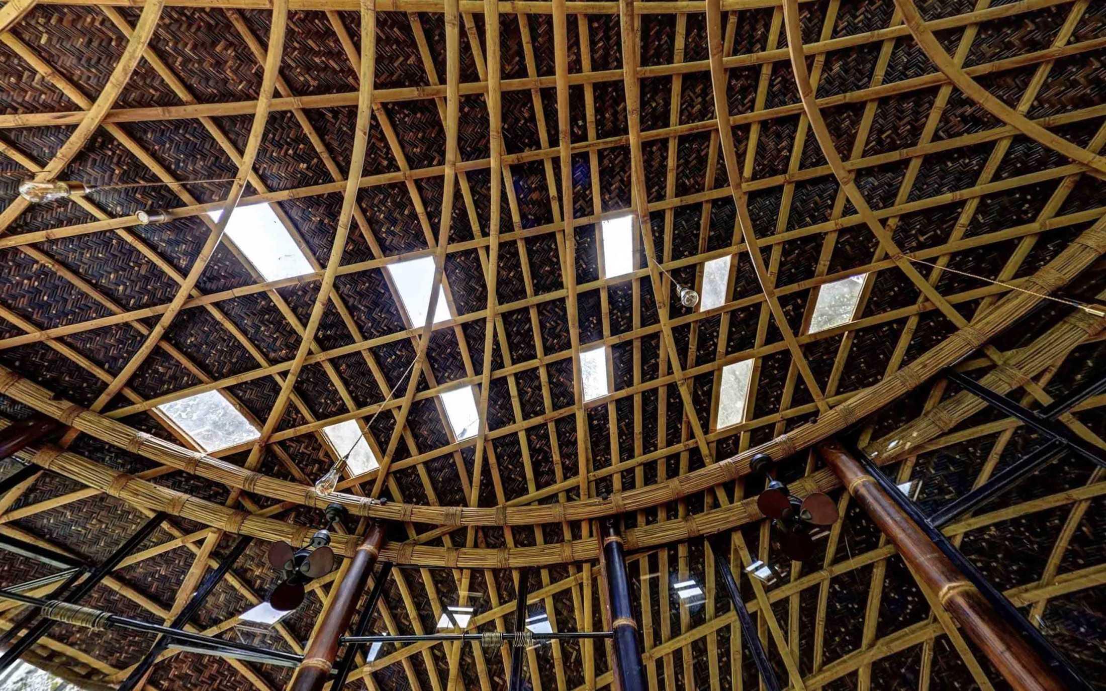 Agung Budi Raharsa | Architecture & Engineering Riverbend Bamboo House - Bali Bali, Indonesia Bali, Indonesia Agung-Budi-Raharsa-Riverbend-House-Bali  88719