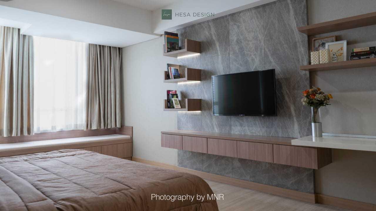 Hesa Design Mr. K's Apartment Jalan Jend. Sudirman No.1 Cikokol, Rt.001/rw.005, Babakan, Kec. Tangerang, Kota Tangerang, Banten 15118, Indonesia Jalan Jend. Sudirman No.1 Cikokol, Rt.001/rw.005, Babakan, Kec. Tangerang, Kota Tangerang, Banten 15118, Indonesia Tv Set Modern 85559
