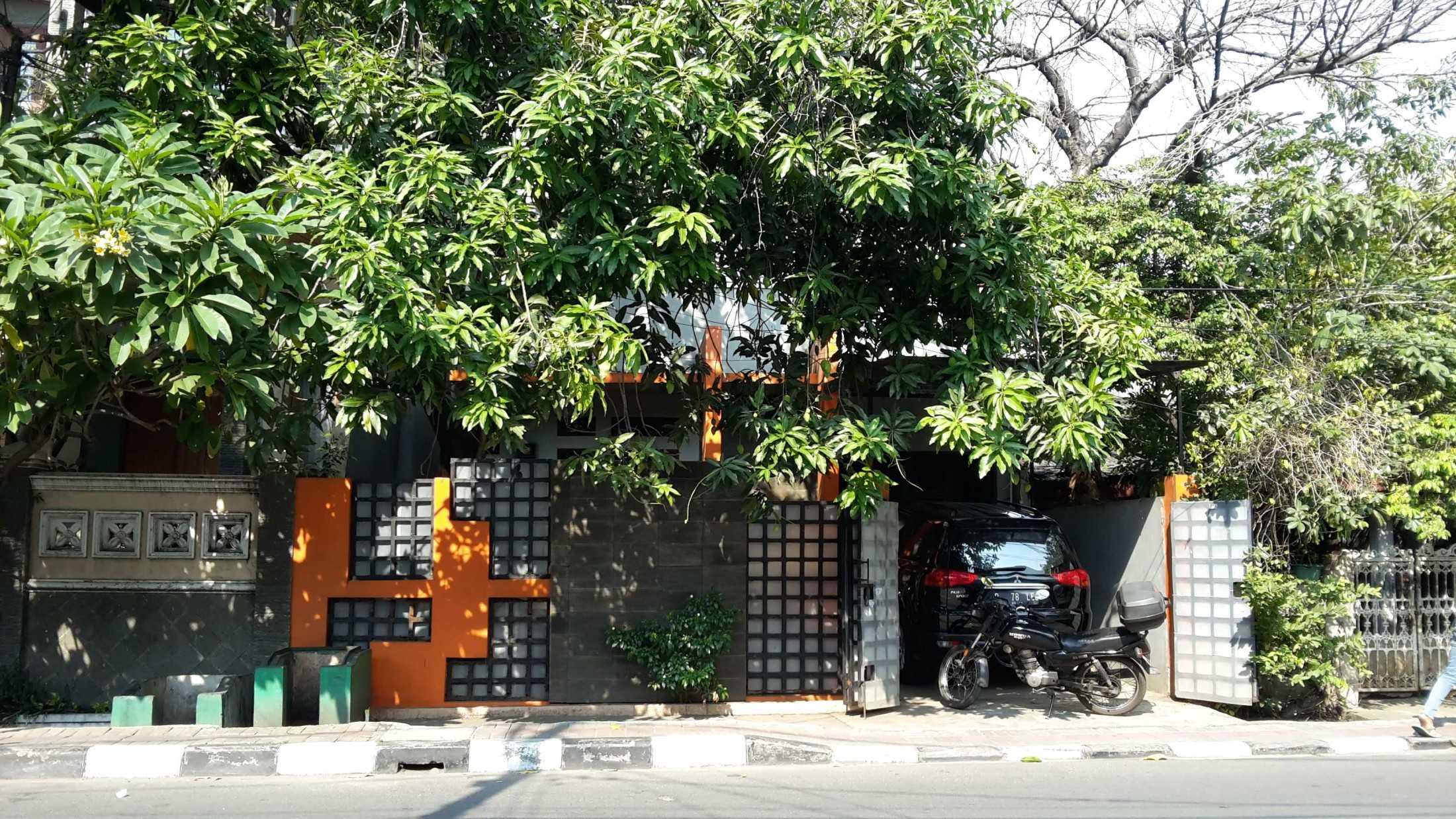 Ideall Design Renovasi Rumah Roof Top Box Rawabadak Utara, Kec. Koja, Kota Jkt Utara, Daerah Khusus Ibukota Jakarta, Indonesia Rawabadak Utara, Kec. Koja, Kota Jkt Utara, Daerah Khusus Ibukota Jakarta, Indonesia Foto Tampak Eksisting Rumah Minimalist 113741