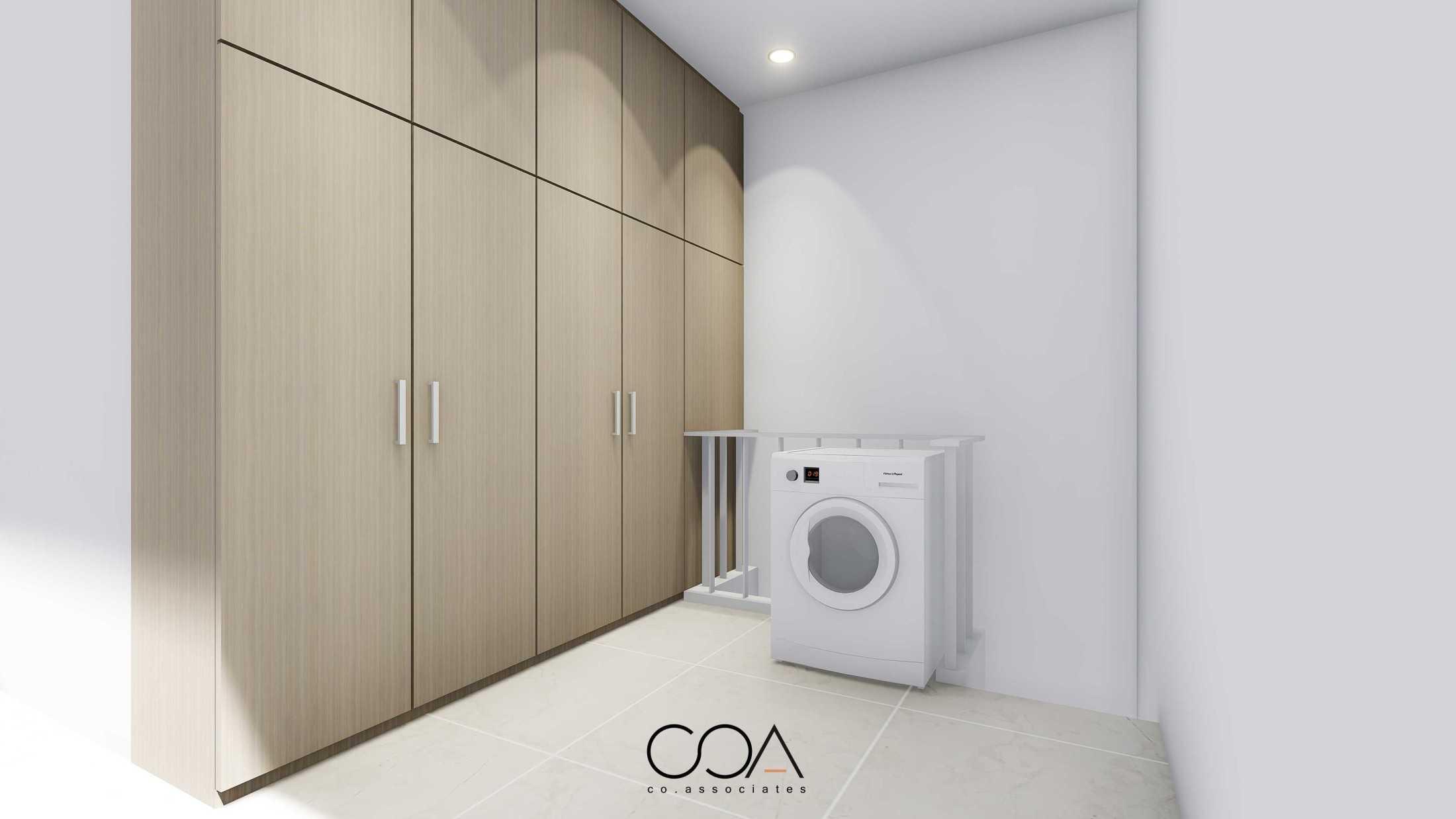 Foto inspirasi ide desain laundry Co-associates-jf-house oleh CO Associates di Arsitag