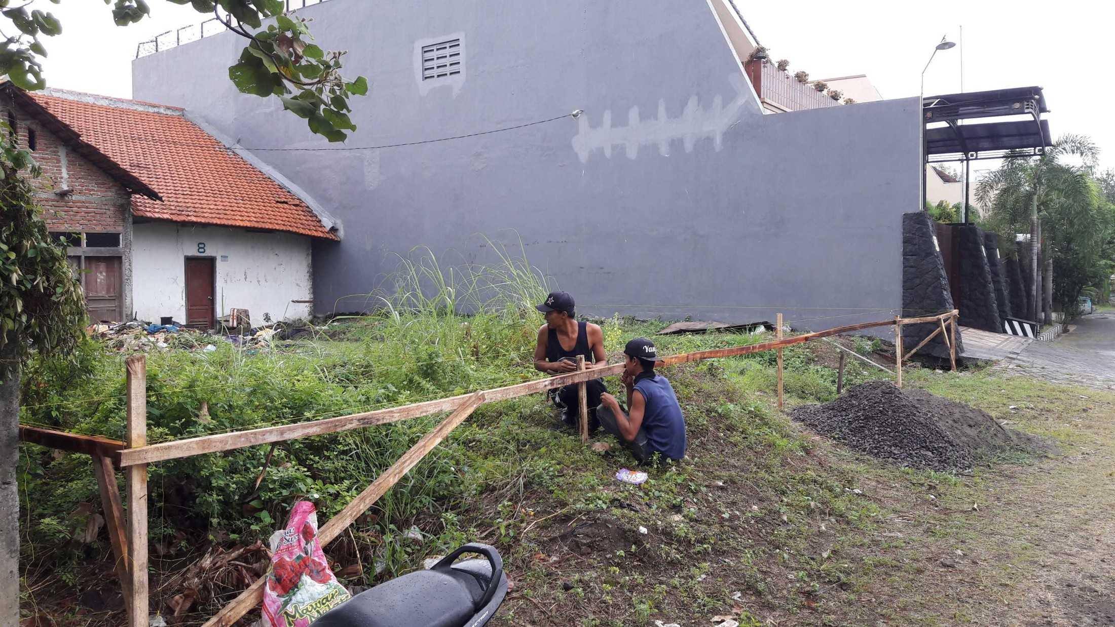 Gradasi Sam House Surabaya, Kota Sby, Jawa Timur, Indonesia Surabaya, Kota Sby, Jawa Timur, Indonesia Gradasi7-Rumah-Bpk-Sam  88988