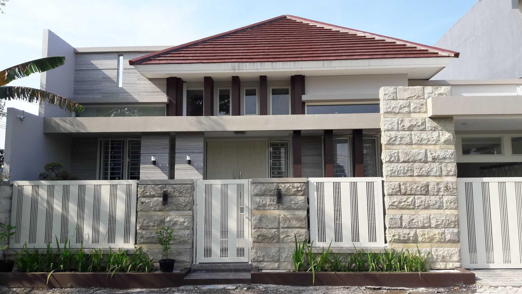 Gradasi Sam House Surabaya, Kota Sby, Jawa Timur, Indonesia Surabaya, Kota Sby, Jawa Timur, Indonesia Gradasi7-Rumah-Bpk-Sam  88993