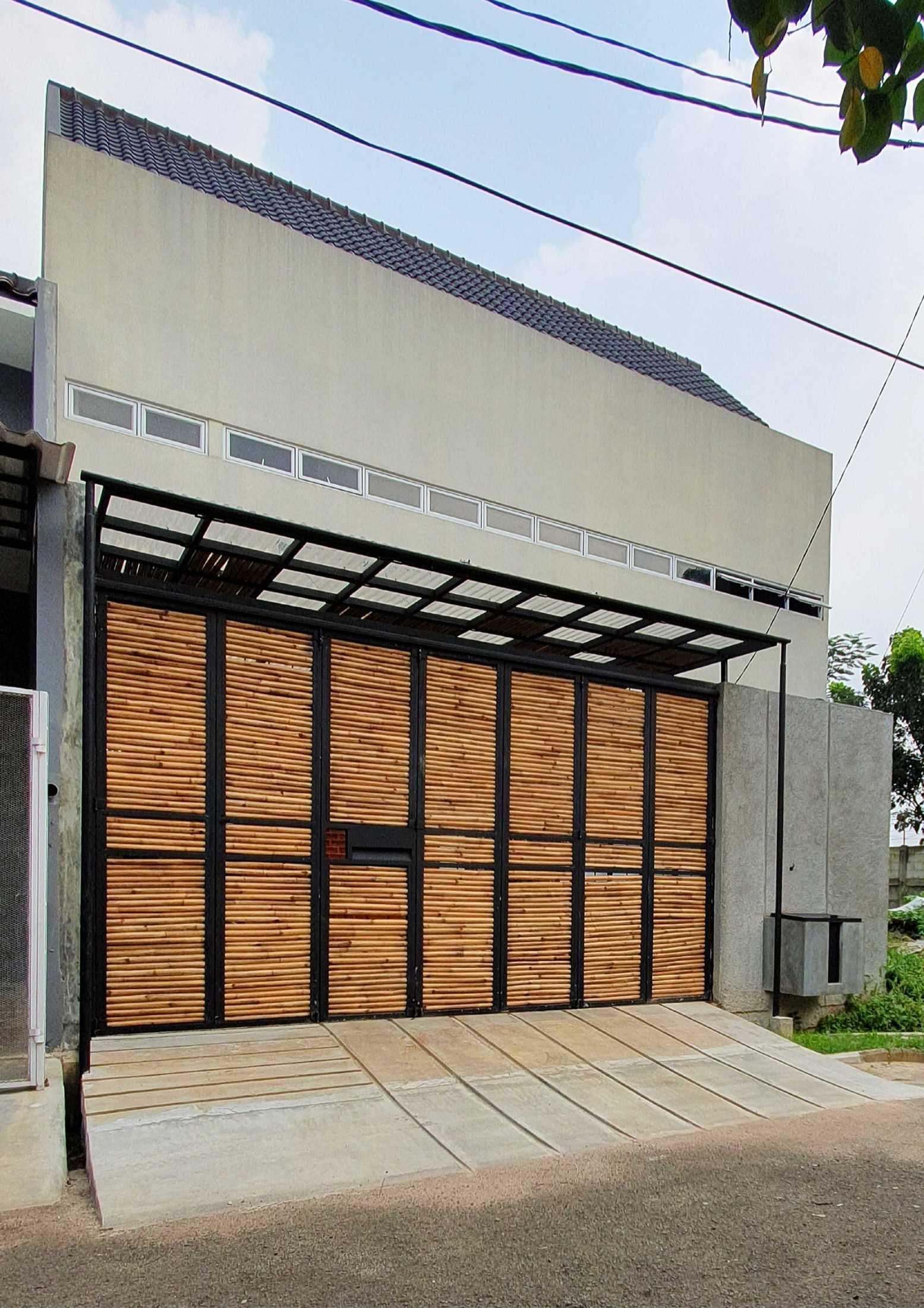 Arsitek Pramudya di Banten