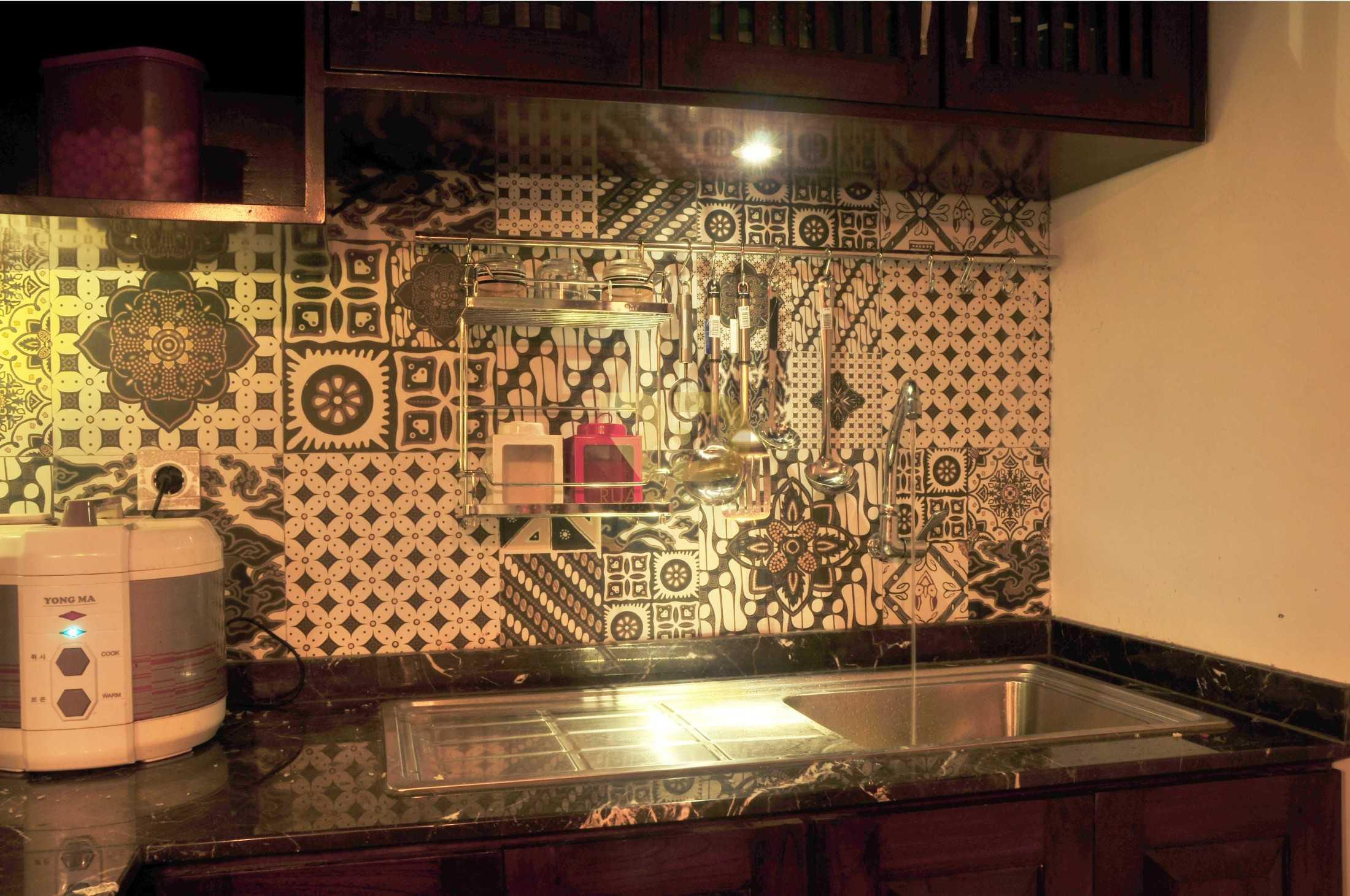 Ruang Desain Solid Wood Kitchen Surabaya, Kota Sby, Jawa Timur, Indonesia Surabaya, Kota Sby, Jawa Timur, Indonesia Ruang-Desain-Solid-Wood-Kitchen  93962