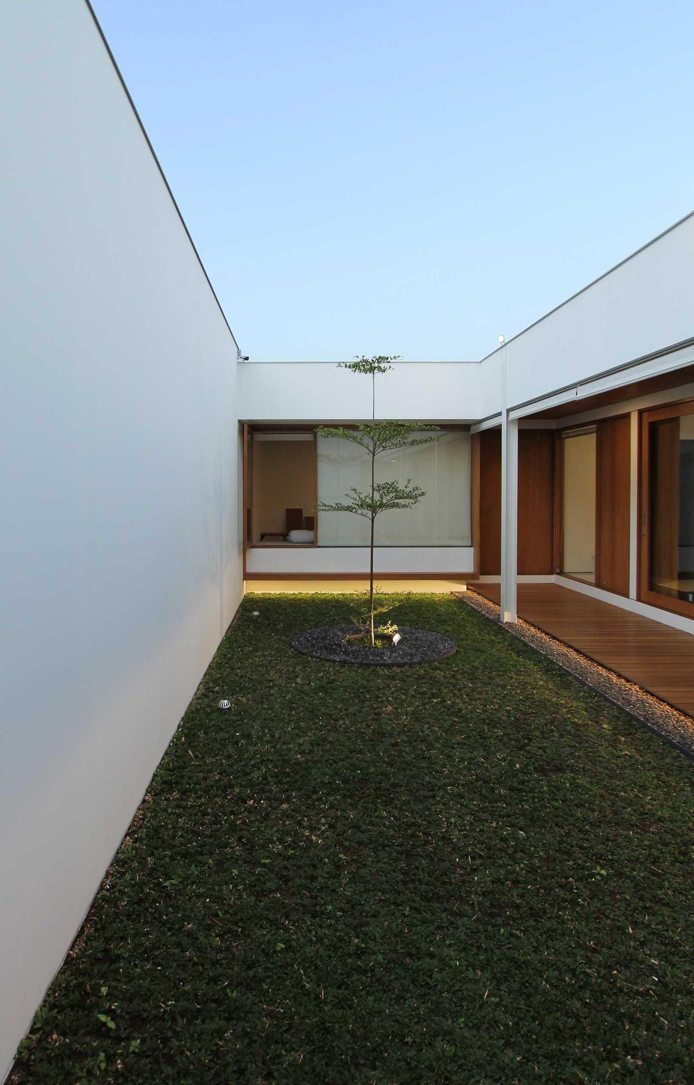 Sasmita Design Studio Penguin House Bandung, Kota Bandung, Jawa Barat, Indonesia Bandung, Kota Bandung, Jawa Barat, Indonesia William-Sasmita-Penguin-House  91202