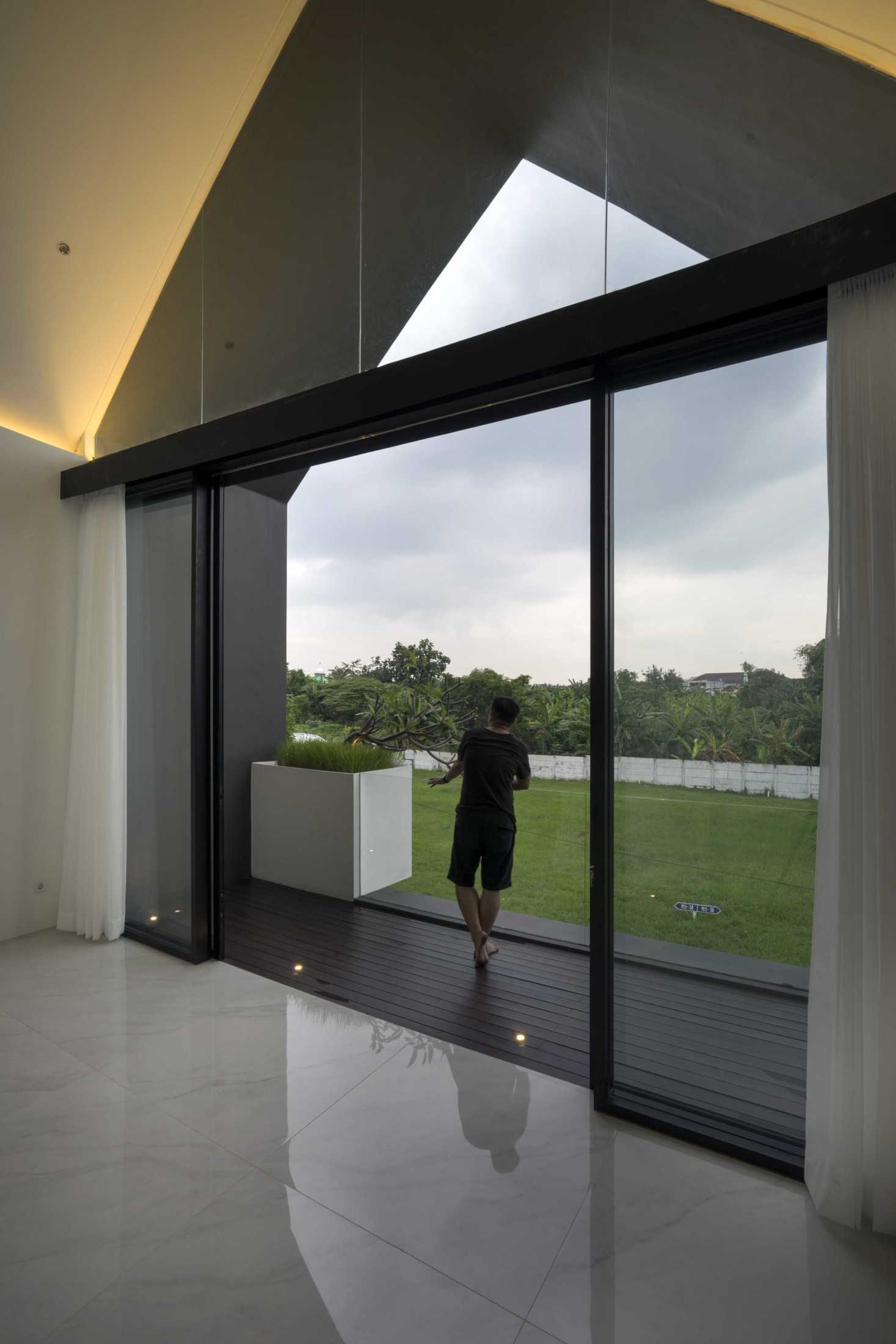 Simple Projects Architecture 'hhh' House Surabaya, Kota Sby, Jawa Timur, Indonesia  Simple-Projects-Architecture-Hhh-House  75033