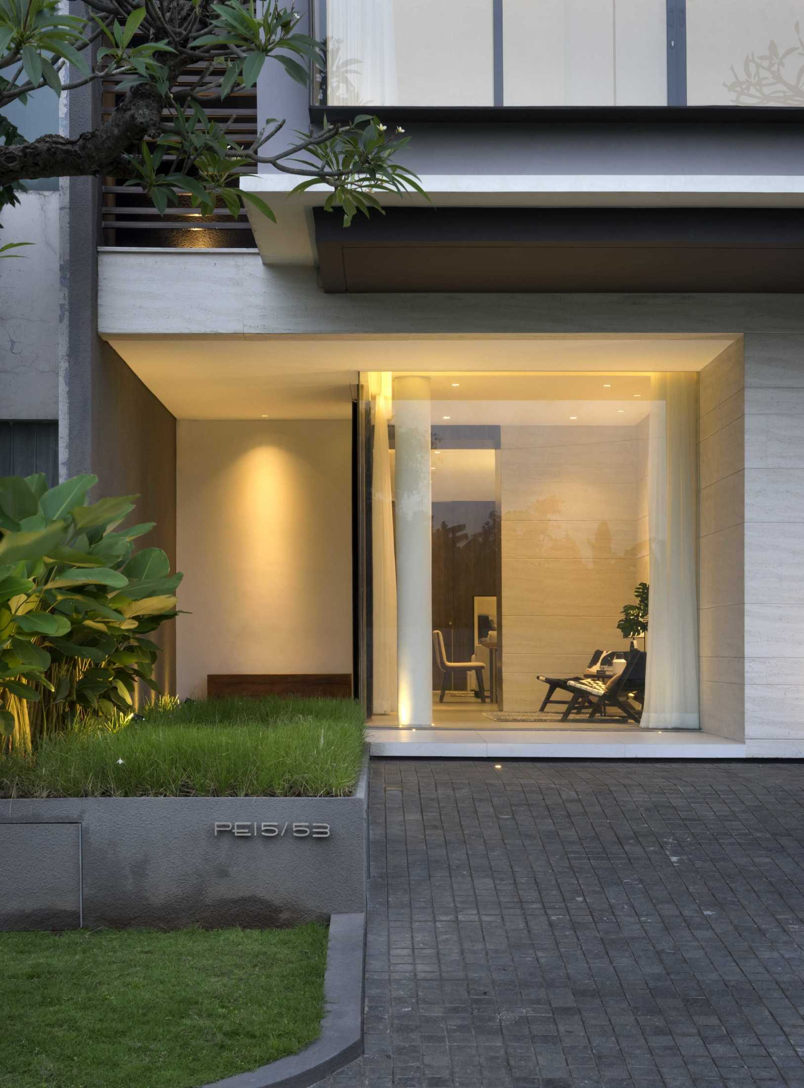 Simple Projects Architecture 'hhh' House Surabaya, Kota Sby, Jawa Timur, Indonesia  Simple-Projects-Architecture-Hhh-House  75047