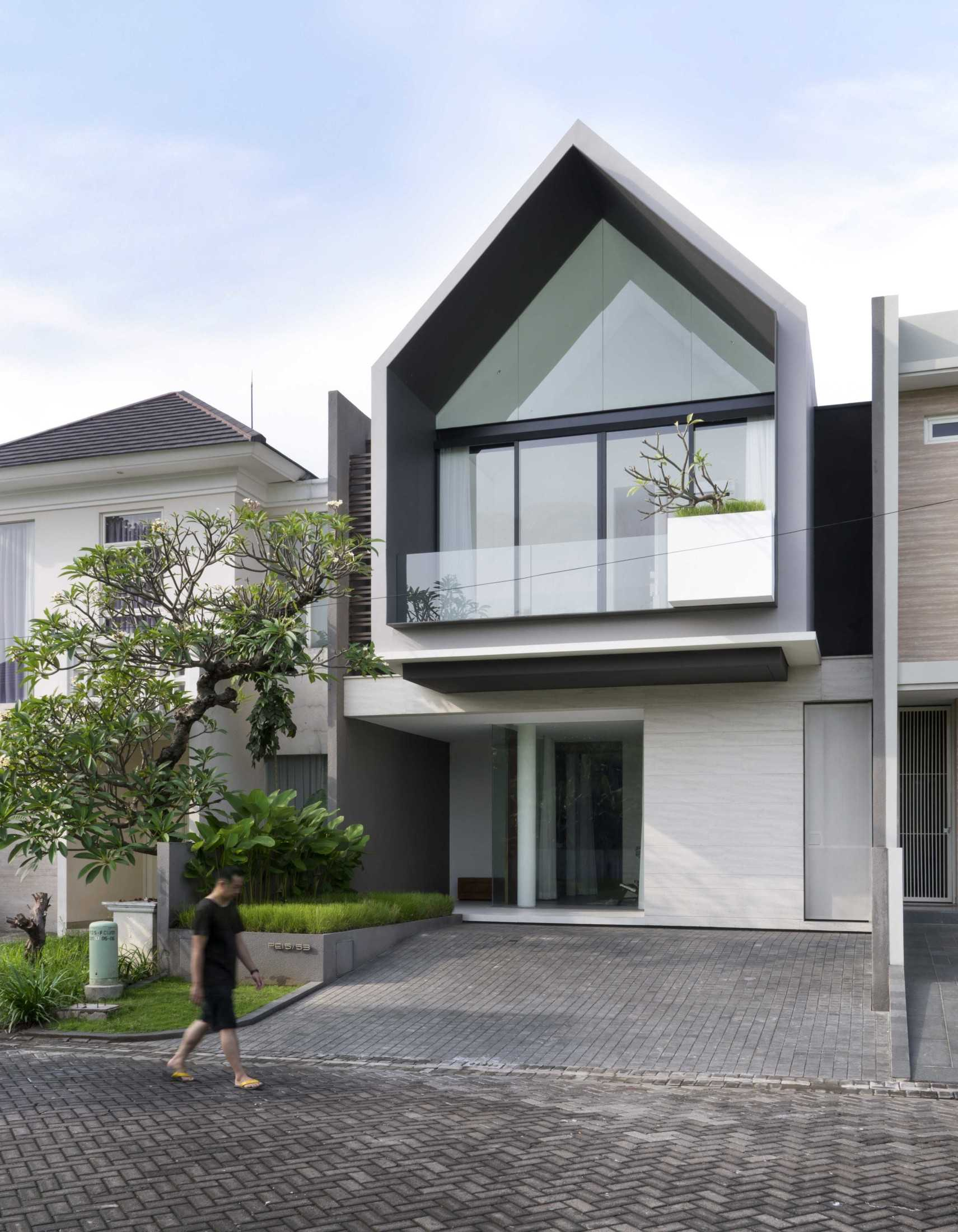 Simple Projects Architecture 'hhh' House Surabaya, Kota Sby, Jawa Timur, Indonesia  Simple-Projects-Architecture-Hhh-House  75049