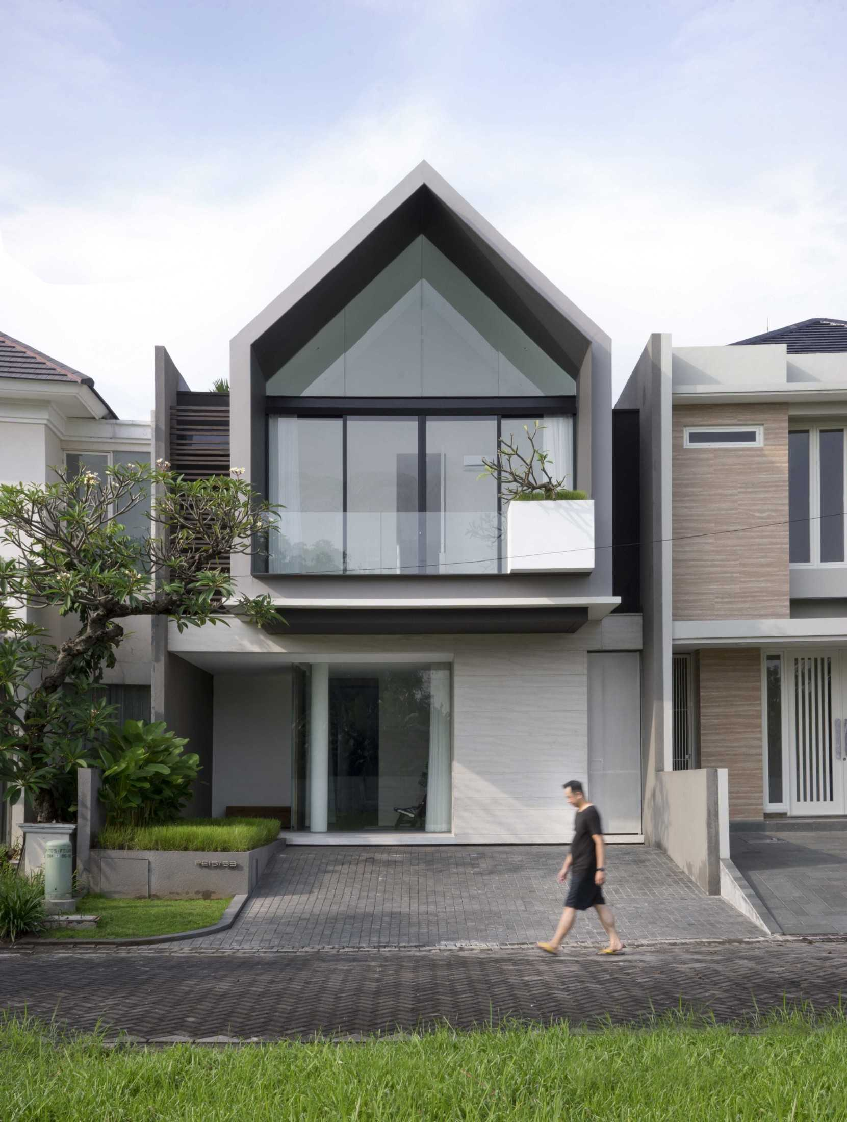 Simple Projects Architecture 'hhh' House Surabaya, Kota Sby, Jawa Timur, Indonesia  Simple-Projects-Architecture-Hhh-House  75050
