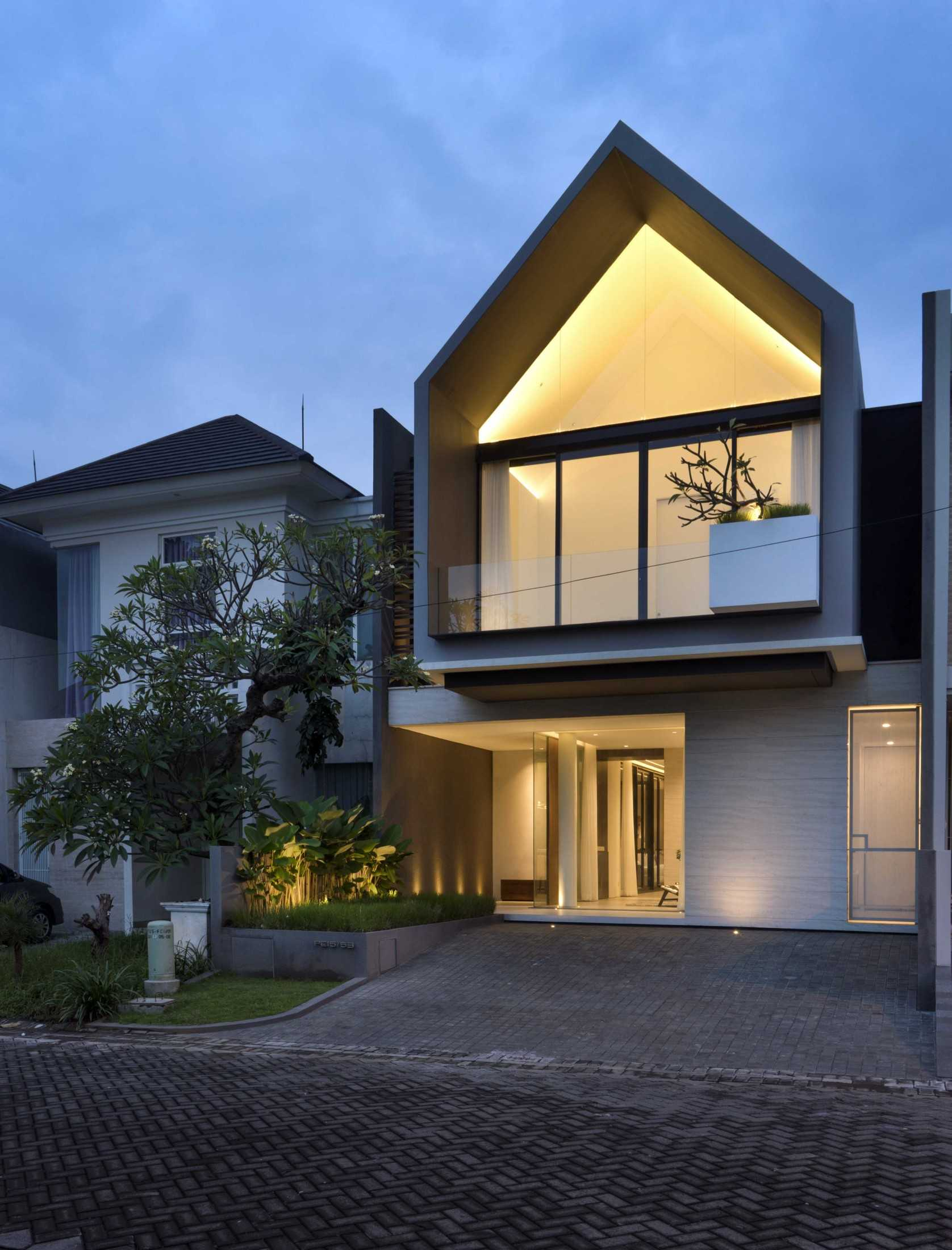 Simple Projects Architecture 'hhh' House Surabaya, Kota Sby, Jawa Timur, Indonesia  Simple-Projects-Architecture-Hhh-House  75053