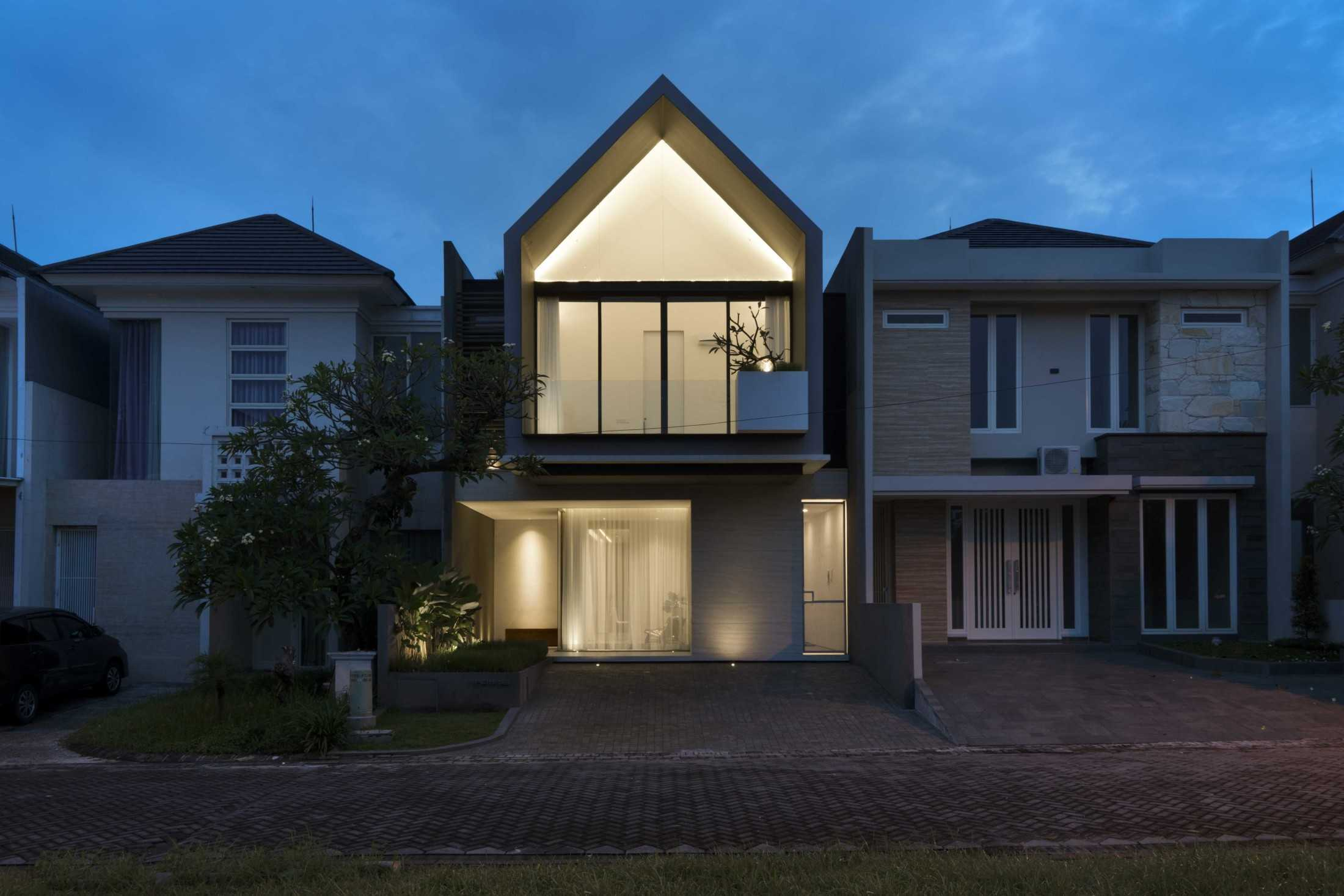 Simple Projects Architecture 'hhh' House Surabaya, Kota Sby, Jawa Timur, Indonesia  Simple-Projects-Architecture-Hhh-House  75054