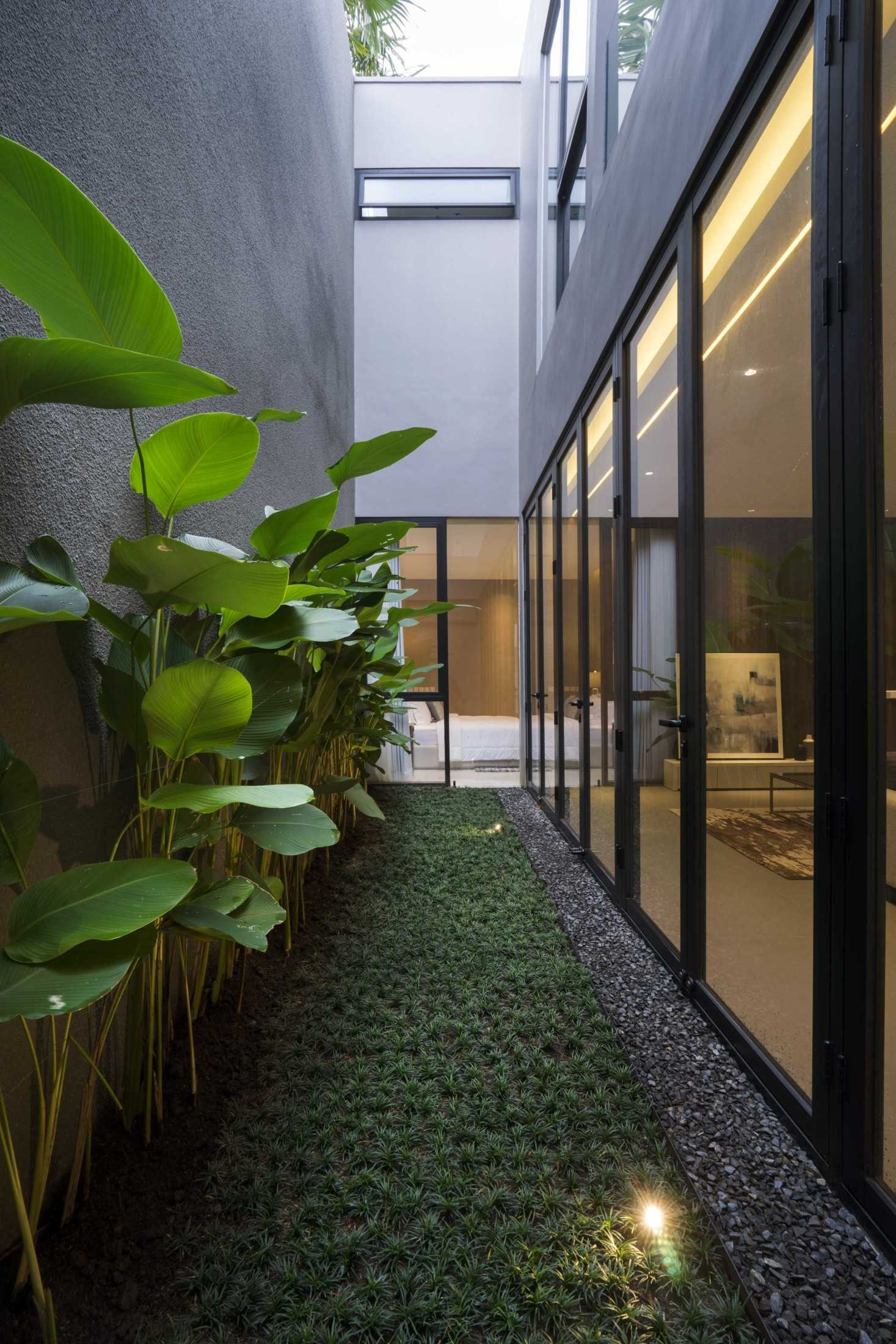 Simple Projects Architecture 'hhh' House Surabaya, Kota Sby, Jawa Timur, Indonesia  Simple-Projects-Architecture-Hhh-House  75058