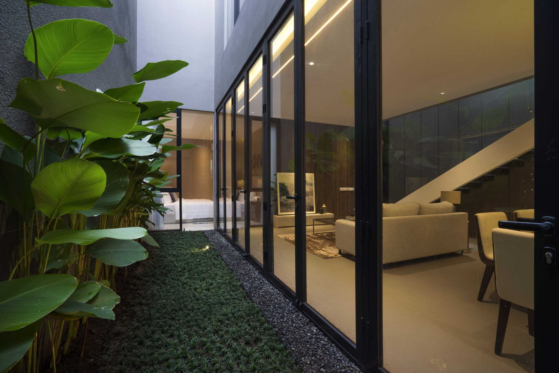 Simple Projects Architecture 'hhh' House Surabaya, Kota Sby, Jawa Timur, Indonesia  Simple-Projects-Architecture-Hhh-House  75059