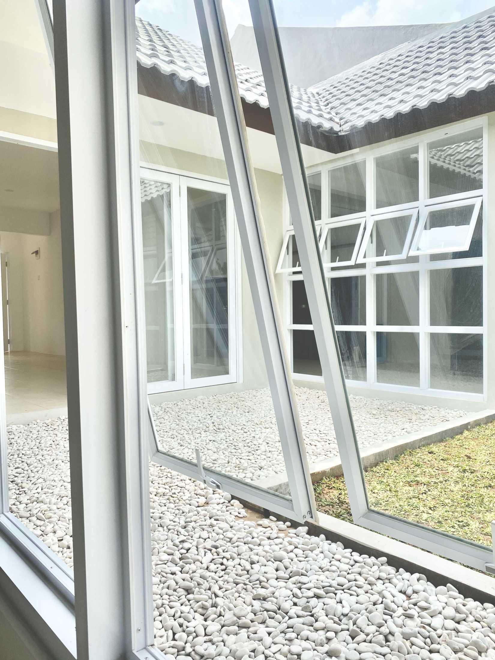 Studio Rna. Rumah Zamrud Bekasi, Kota Bks, Jawa Barat, Indonesia Bekasi, Kota Bks, Jawa Barat, Indonesia Studiorna-Rumah-Zamrud  97580