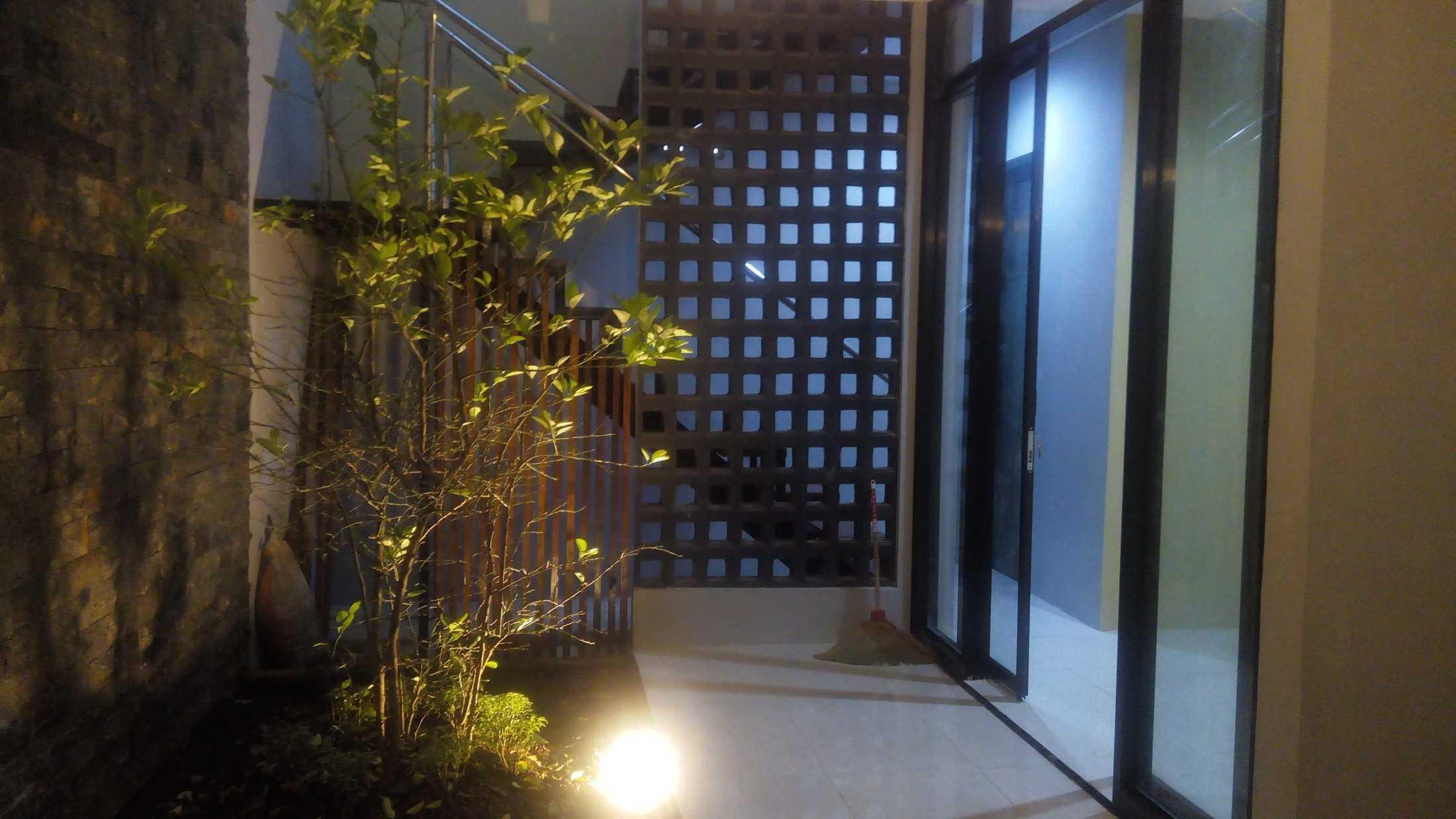 Astabumi Studio Omah Taman Singgah Tegal Tegal, Kota Tegal, Jawa Tengah, Indonesia Tegal, Kota Tegal, Jawa Tengah, Indonesia Astabumi-Architect-Interior-Design-Omah-Taman-Singgah-Tegal  84028