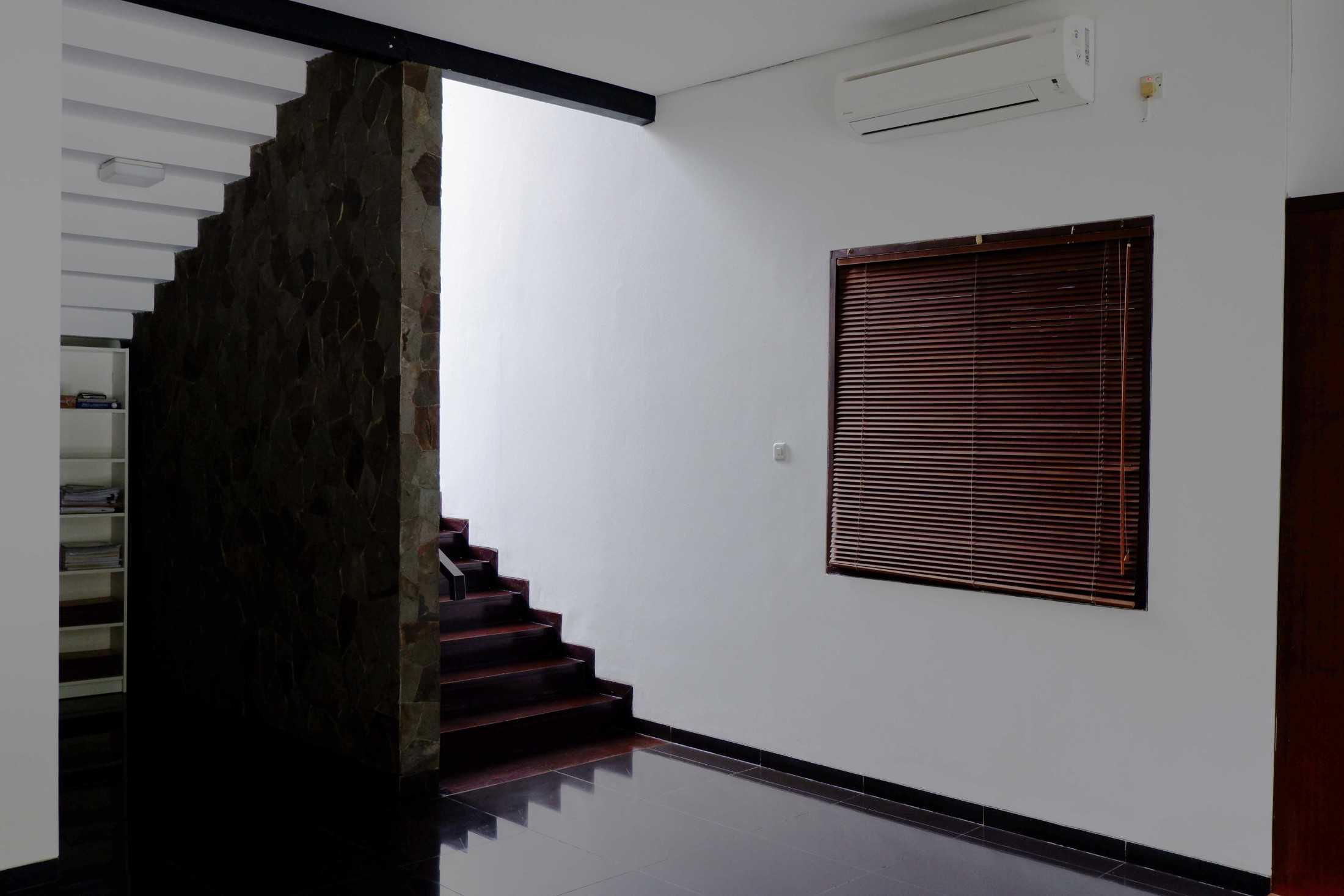 Lokative Studio Renovasi Rumah Cempaka Jakarta, Daerah Khusus Ibukota Jakarta, Indonesia Jakarta, Daerah Khusus Ibukota Jakarta, Indonesia Lokative-Studio-Renovasi-Rumah-Cempaka  97466