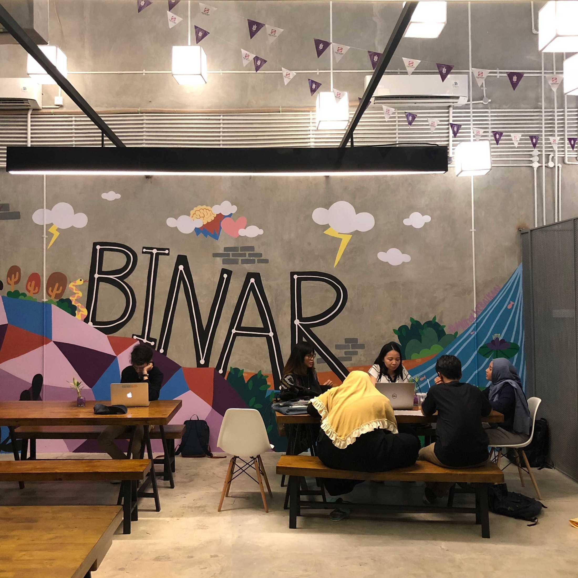 D4 Binar Hq Bsd Green Office Park, Jl. Bsd Grand Boulevard, Sampora, Bsd, Tangerang, Banten 15345, Indonesia Bsd Green Office Park, Jl. Bsd Grand Boulevard, Sampora, Bsd, Tangerang, Banten 15345, Indonesia D4-Binar-Hq  108594