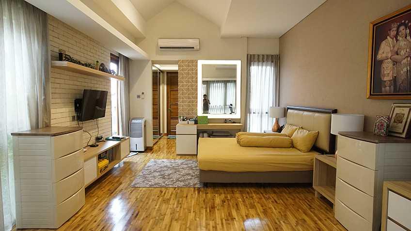 Imron Yusuf-Ifd Architects Solid Void House Bekasi Bar., Kota Bks, Jawa Barat, Indonesia Bekasi Bar., Kota Bks, Jawa Barat, Indonesia Imron-Yusuf-Ifd-Architects-Solid-Void-House  58309
